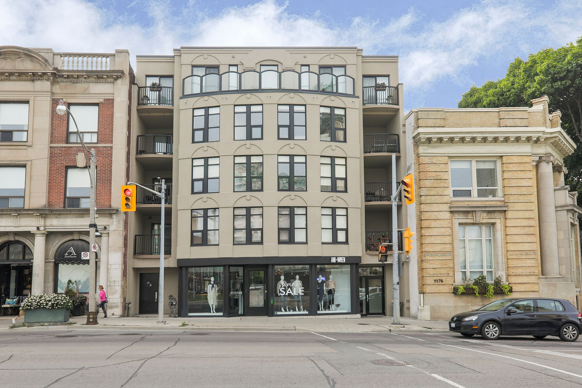 1174 Yonge St. This condo townhouse at Rosedale Terrace is located in  Midtown, Toronto - image #2 of 5 by Strata.ca