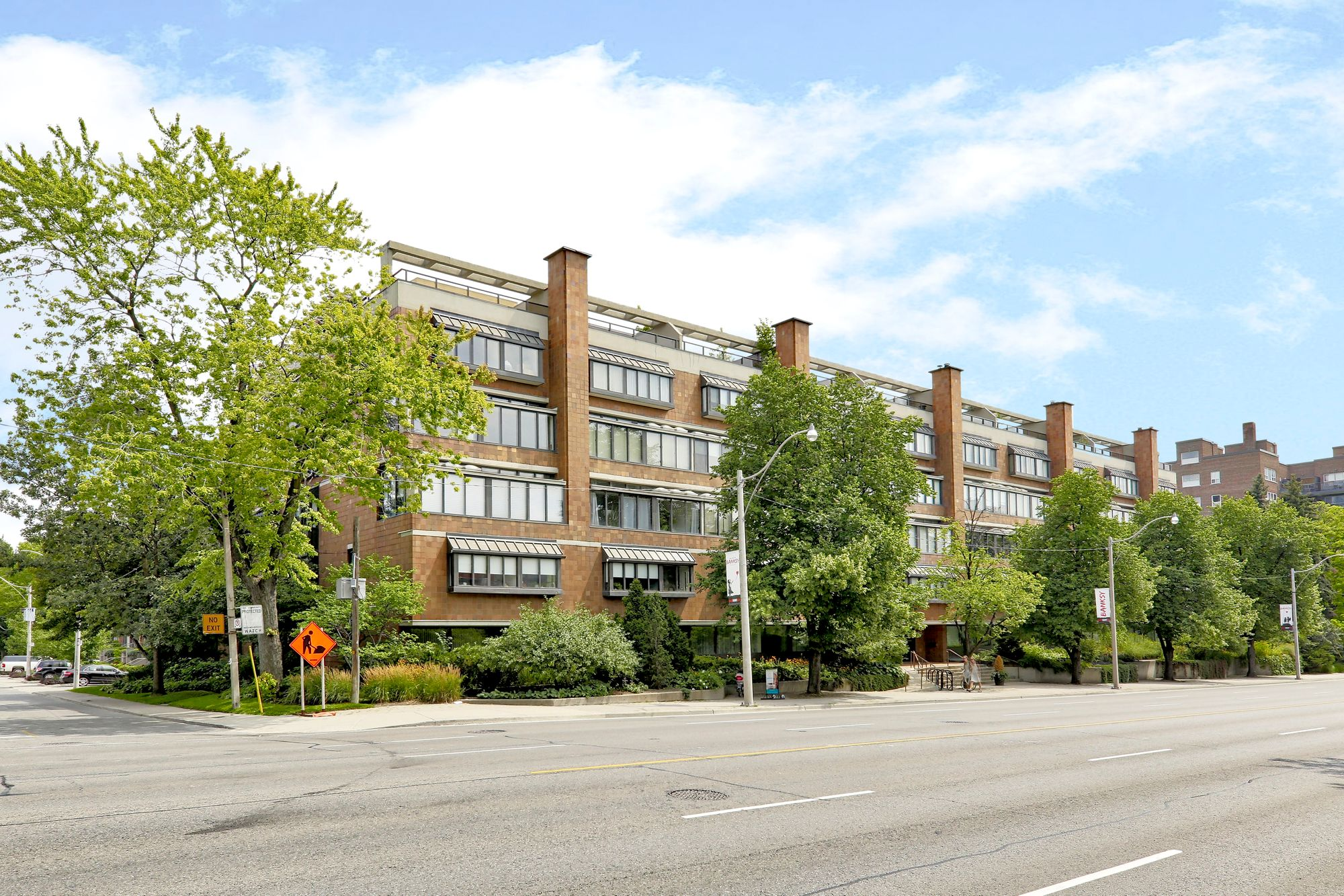20-40 Oaklands Ave. This condo at The Oaklands Condos is located in  Midtown, Toronto - image #1 of 5 by Strata.ca