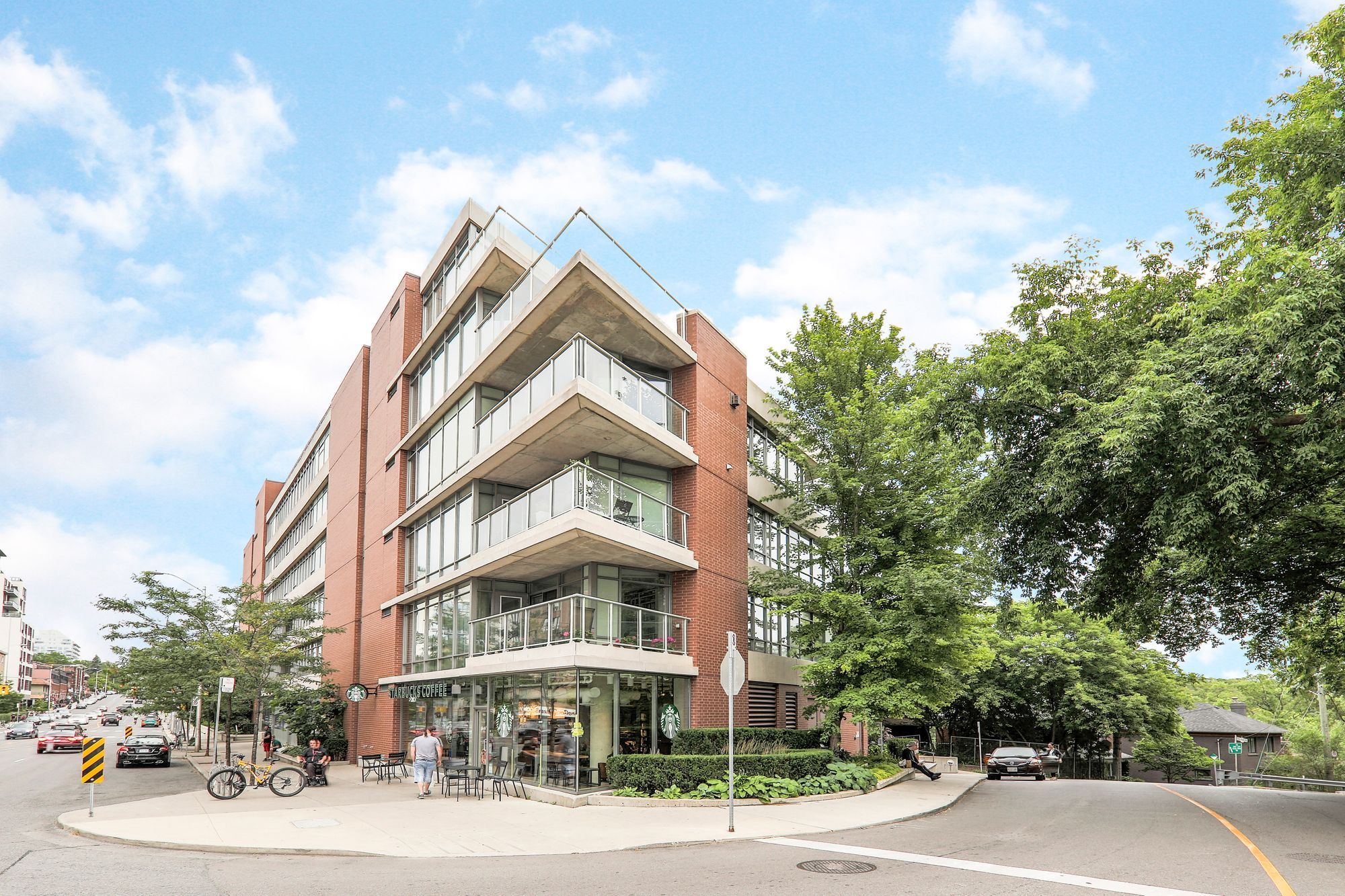383 Ellis Park Rd. This condo townhouse at Home Condominium is located in  West End, Toronto - image #1 of 5 by Strata.ca