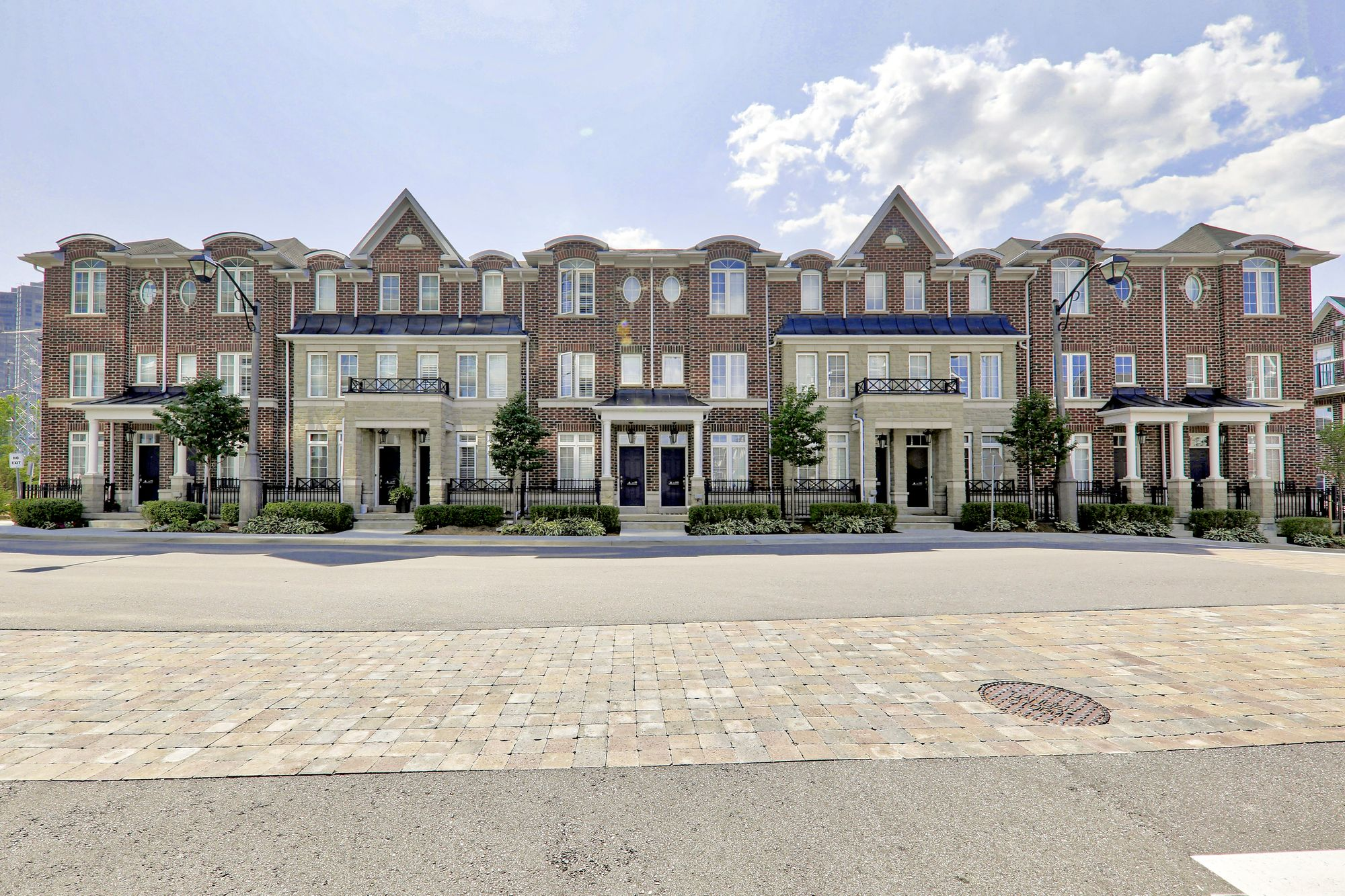 6 Windermere Ave, unit 24 for sale in High Park | Swansea - image #1