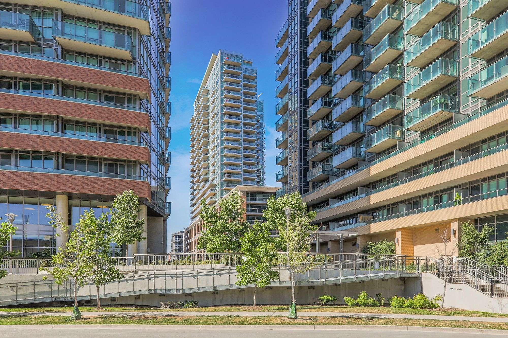 100 Western Battery Rd. This condo at Vibe at Liberty Village is located in  West End, Toronto - image #1 of 8 by Strata.ca