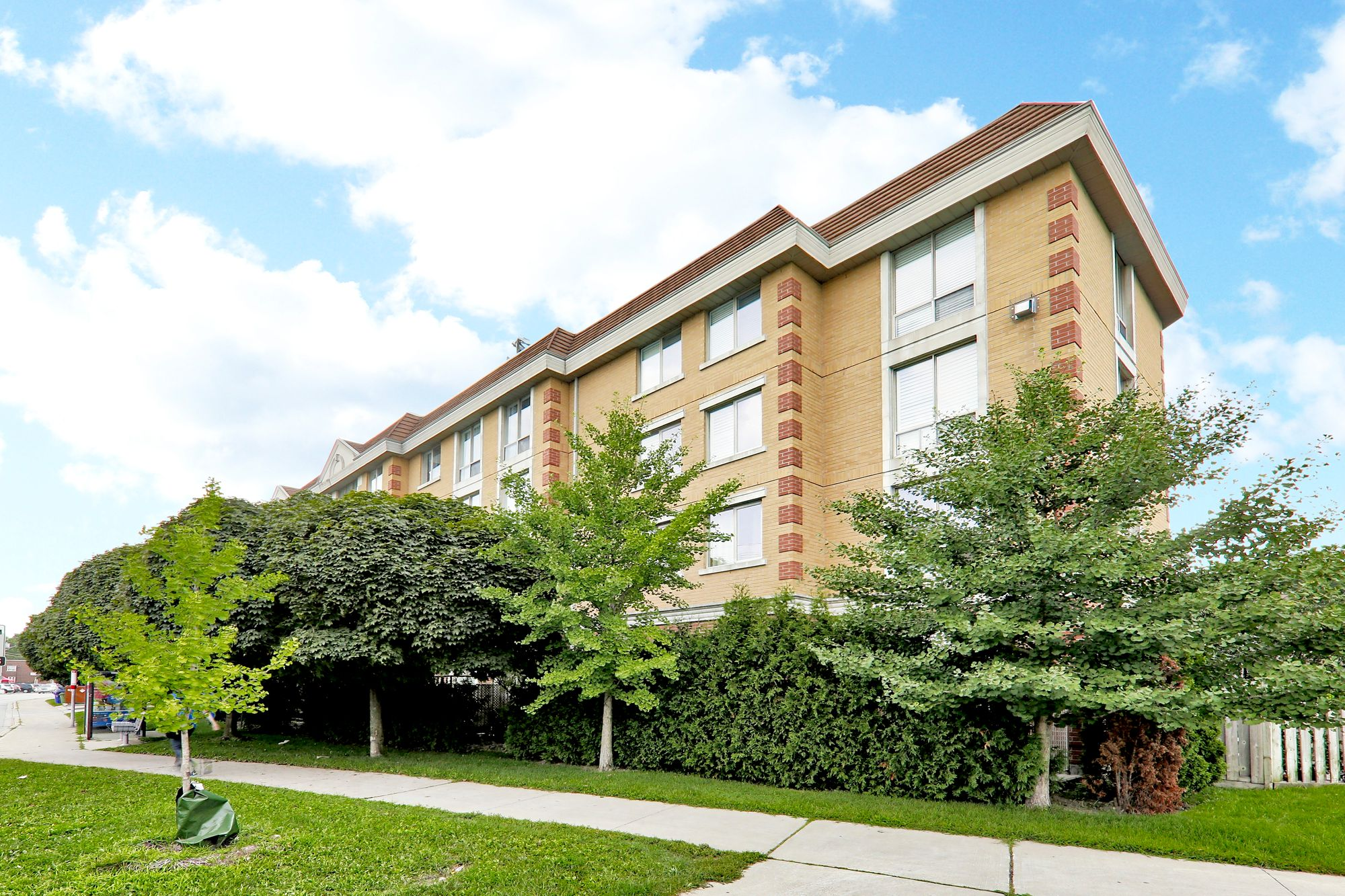 211 Randolph Rd. This condo townhouse at Leaside Mews is located in  East York, Toronto - image #1 of 4 by Strata.ca