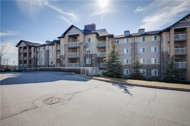 684 Warden Ave. This condo townhouse at St Clair Pointe Condos is located in  Scarborough, Toronto