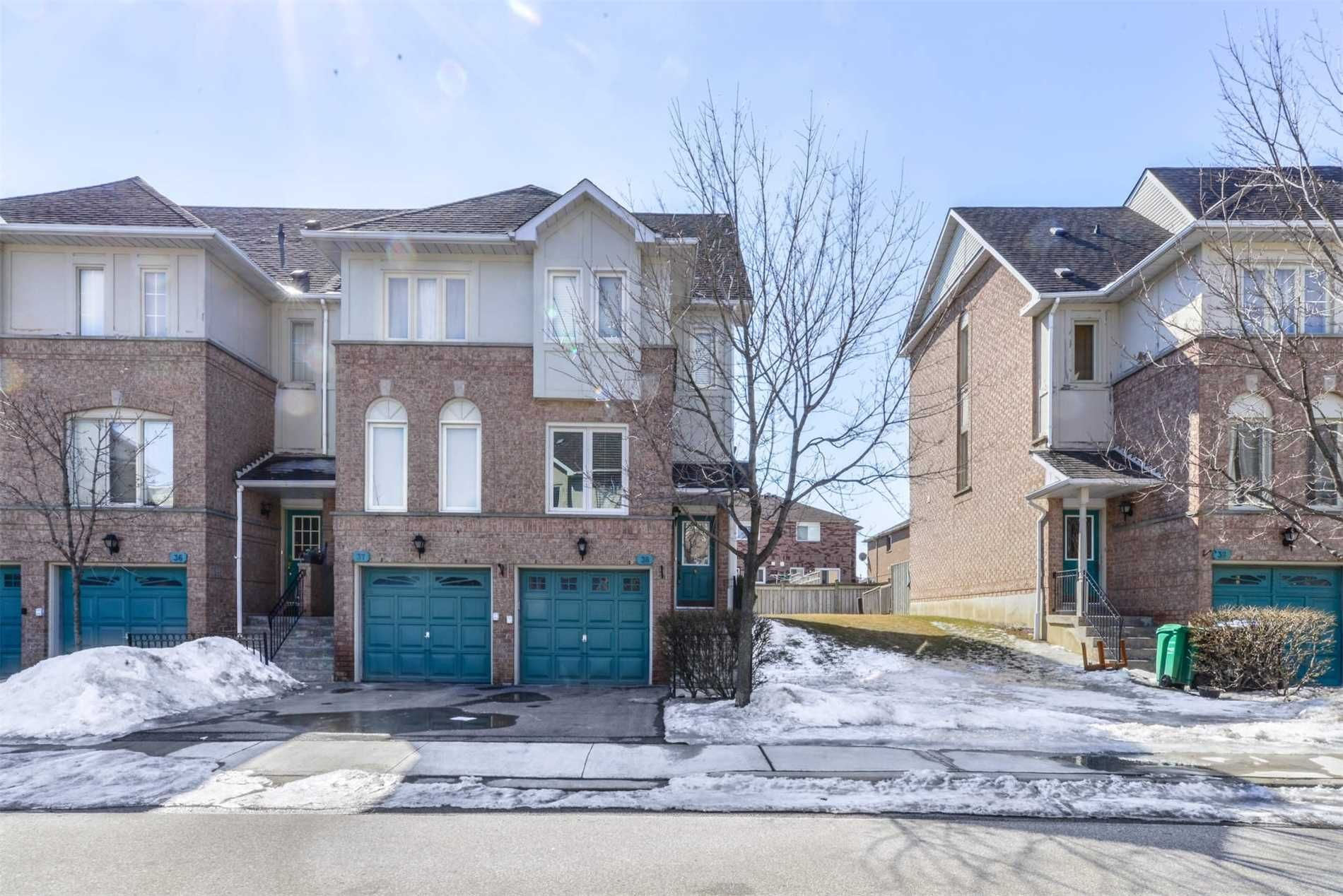 1050 Bristol Rd W. This condo townhouse at 1050 Bristol Road Townhomes is located in East Credit, Mississauga