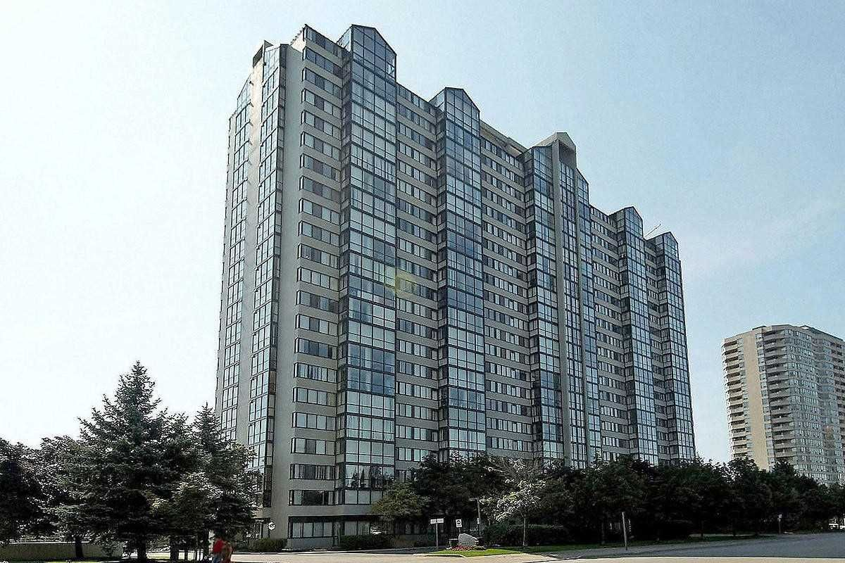 350 Webb Dr. This condo at The Platinum Condos is located in Fairview, Mississauga