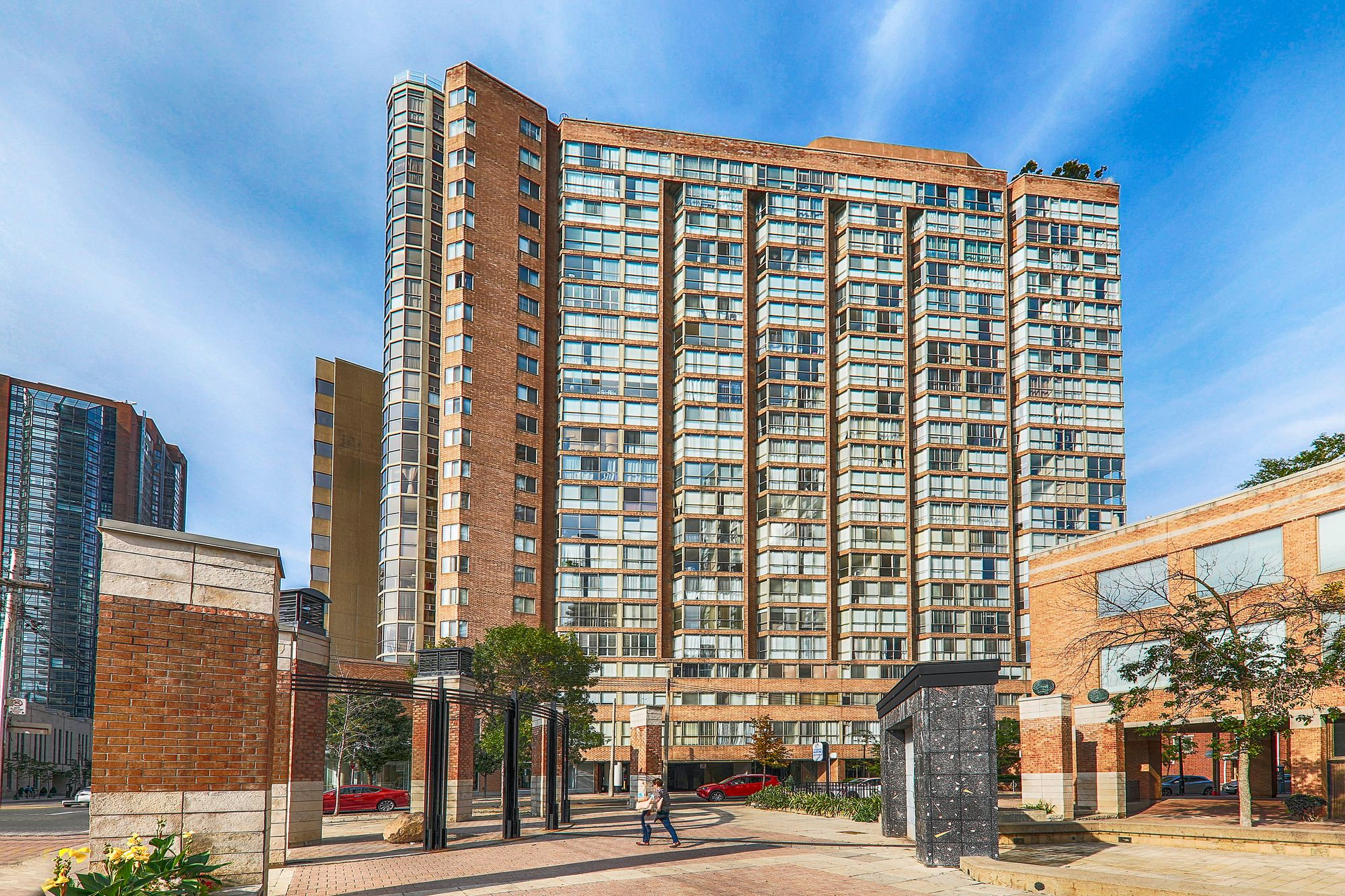 1055 Bay St. This condo at Polo Club I Condos is located in  Downtown, Toronto - image #2 of 6 by Strata.ca