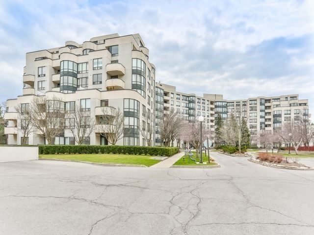 333 Clark Ave W. This condo at The Conservatory Condos is located in Thornhill - Vaughan, Vaughan