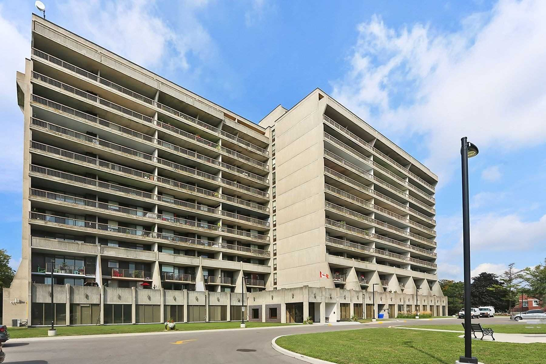 92 Church St S. This condo at Village Gardens Condos is located in Central West, Ajax