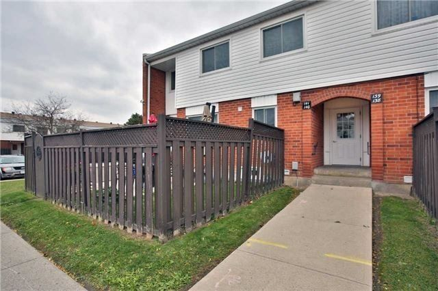 1010 Glen St. This condo townhouse at 1010 Glen Street Townhomes is located in Lakeview Park, Oshawa