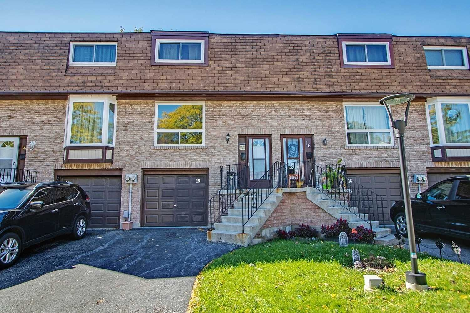 222 Pearson St. This condo townhouse at 222 Pearson Street Townhomes is located in O'Neill, Oshawa