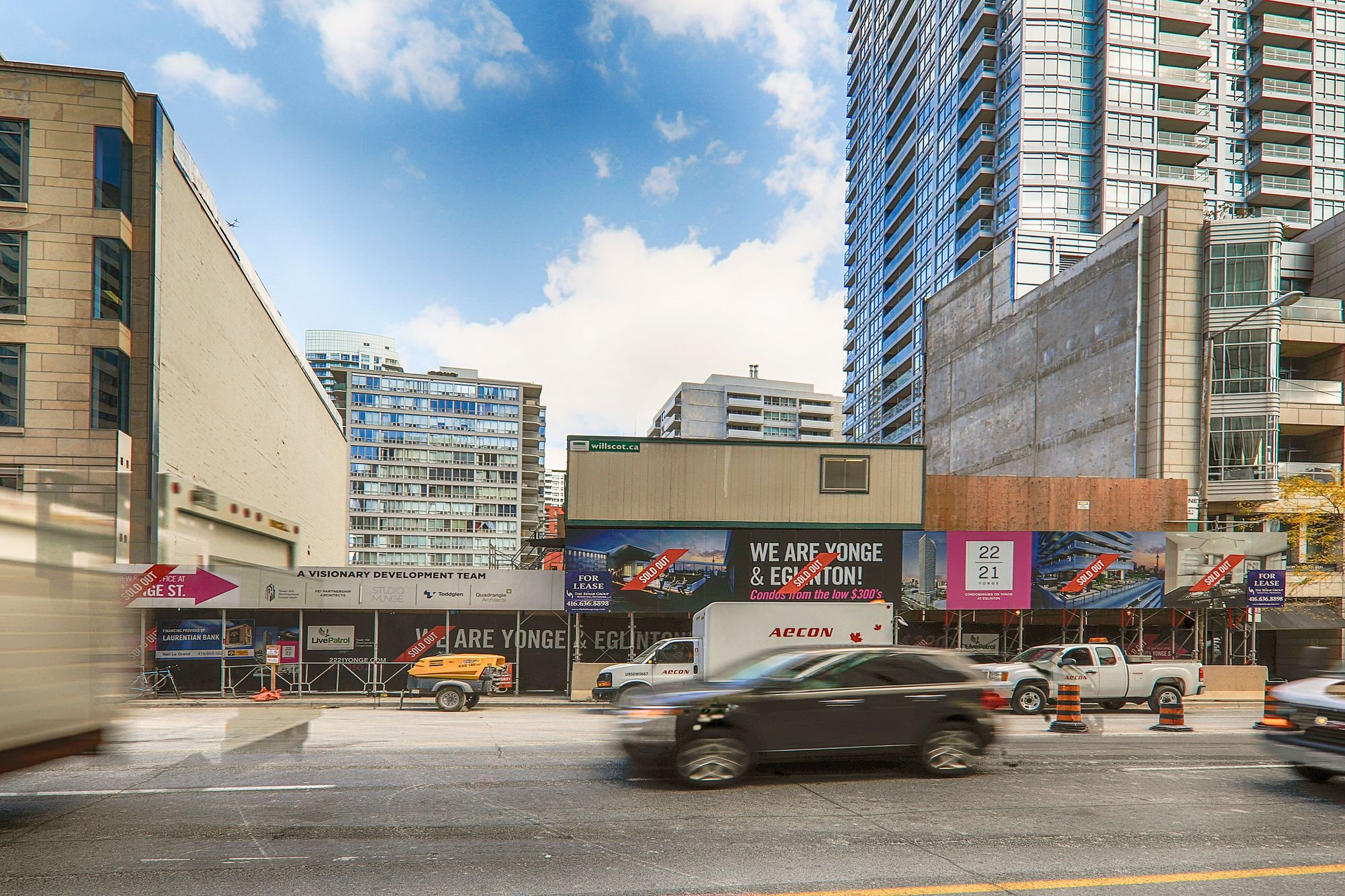 2221 Yonge St. This condo at 2221 Yonge Condos is located in  Midtown, Toronto