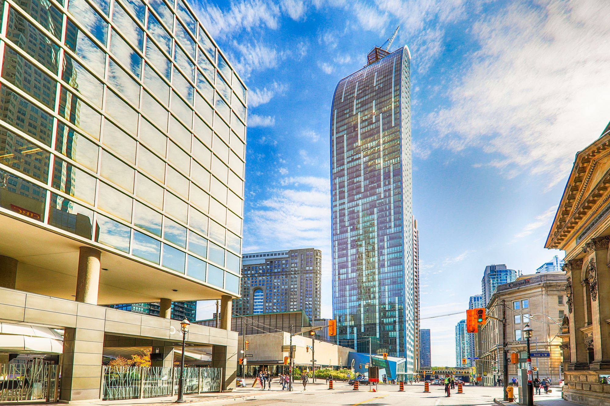 8 The Esplanade. This condo at L Tower is located in  Downtown, Toronto - image #2 of 6 by Strata.ca
