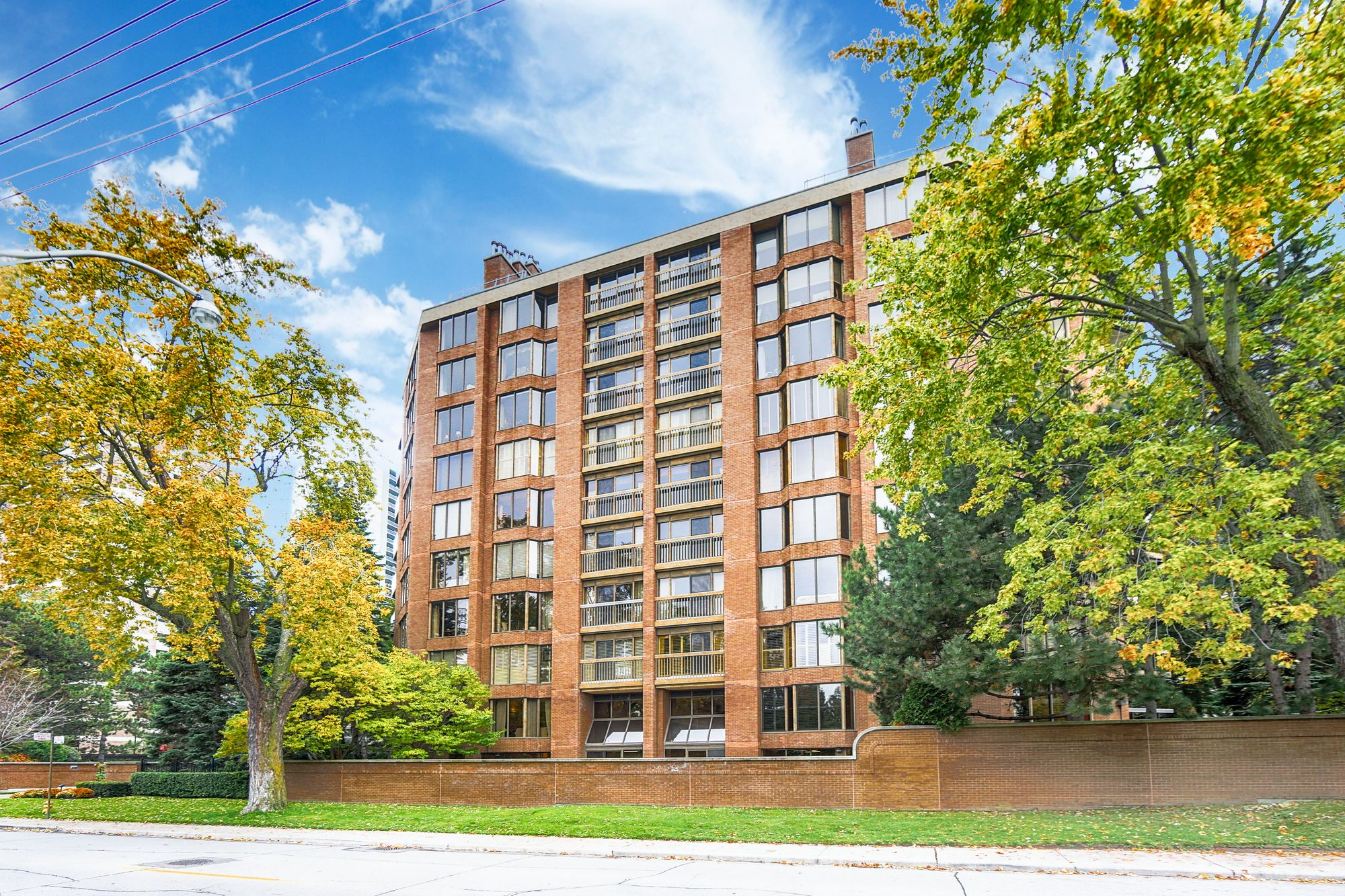 70 Rosehill Ave at 70 Rosehill Ave. This condo is located in  Midtown, Toronto - image #2 of 3 by Strata.ca