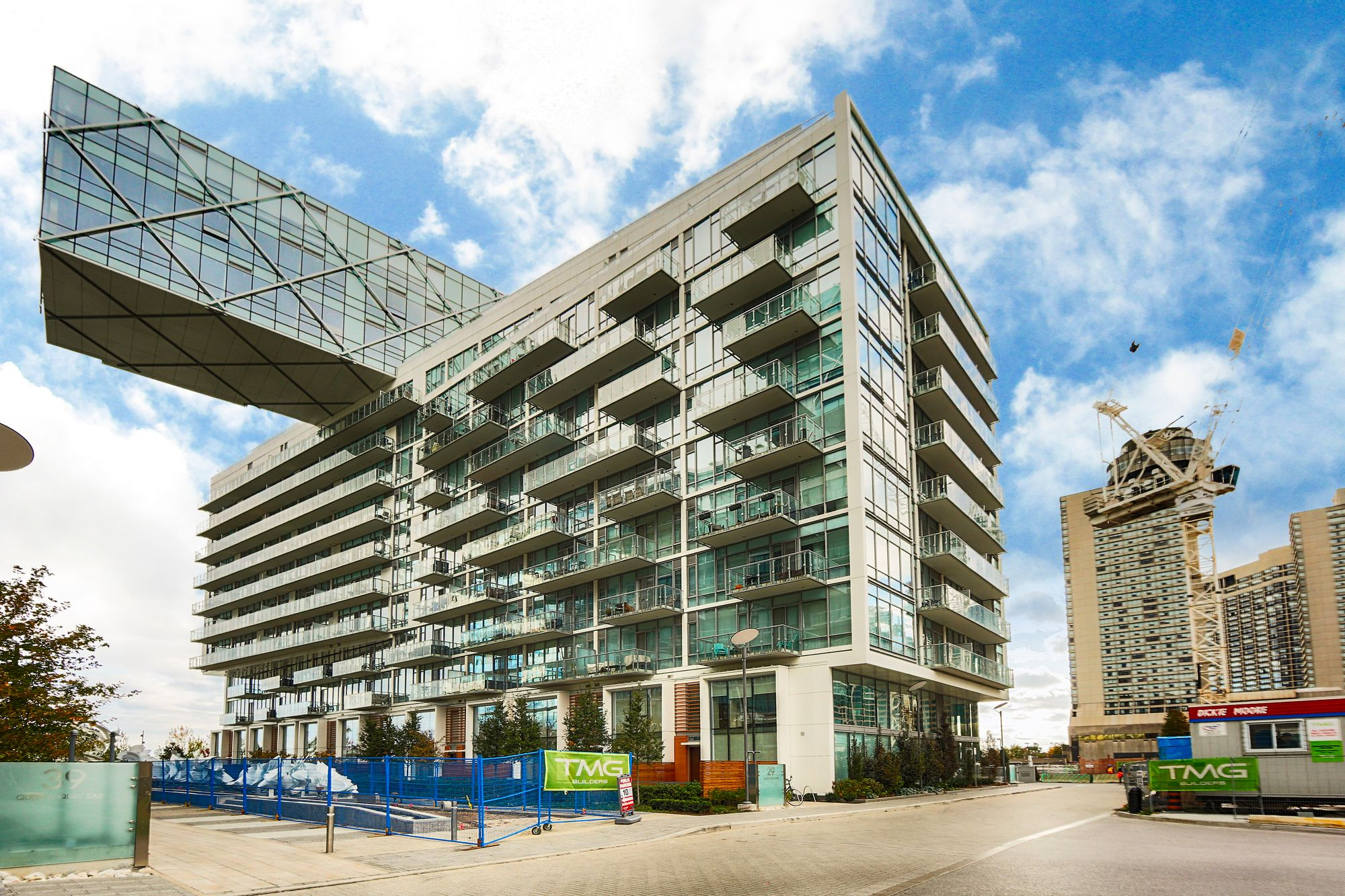 29 Queens Quay E. This condo at Pier 27 Phase II Condos is located in  Downtown, Toronto - image #1 of 5 by Strata.ca