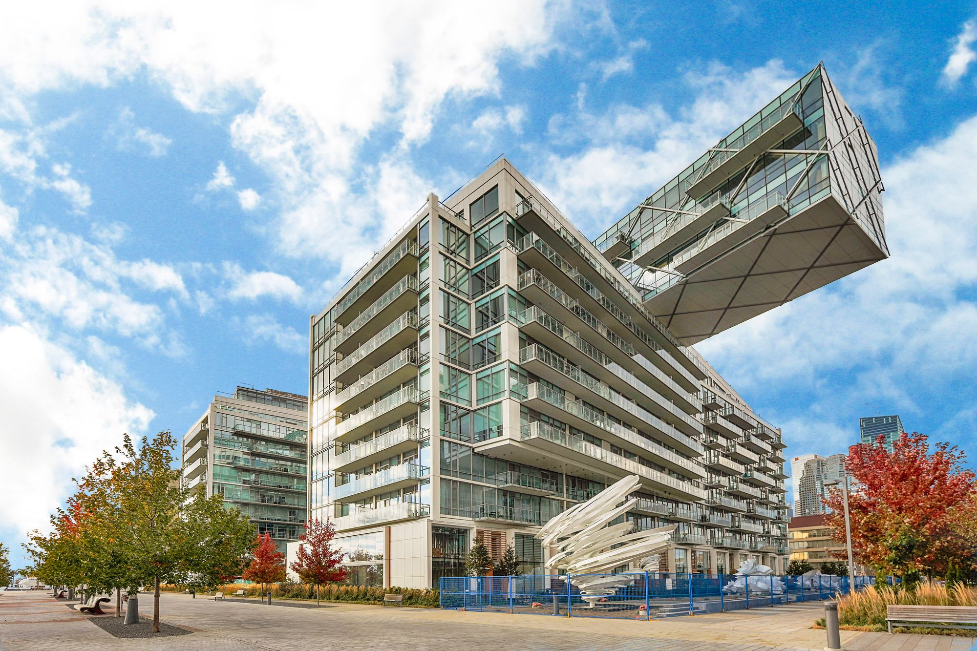 29 Queens Quay E. This condo at Pier 27 Phase II Condos is located in  Downtown, Toronto - image #2 of 5 by Strata.ca