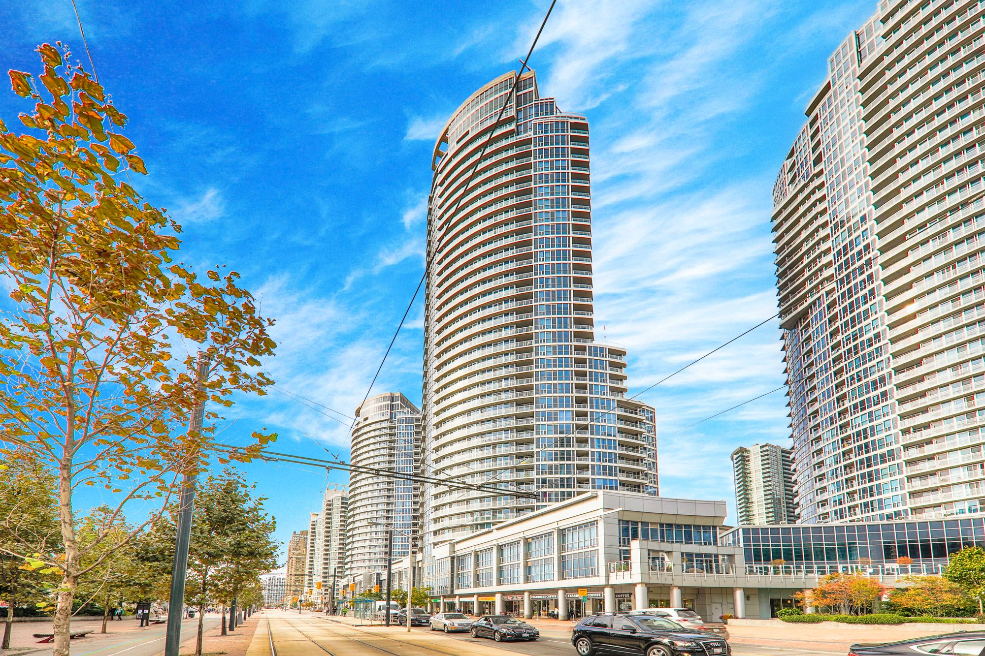 218 Queens Quay W. This condo at Waterclub III Condos is located in  Downtown, Toronto - image #2 of 4 by Strata.ca