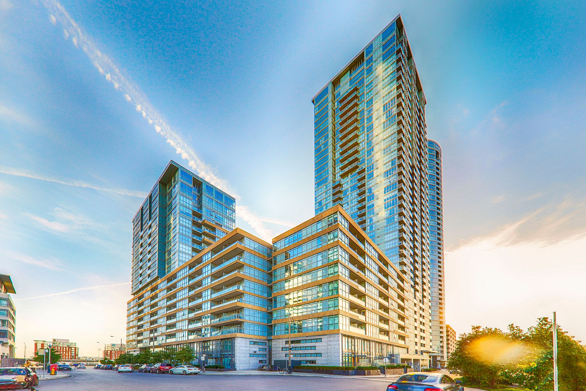 10-26 Capreol Crt. This condo at Parade Condos is located in  Downtown, Toronto - image #2 of 4 by Strata.ca