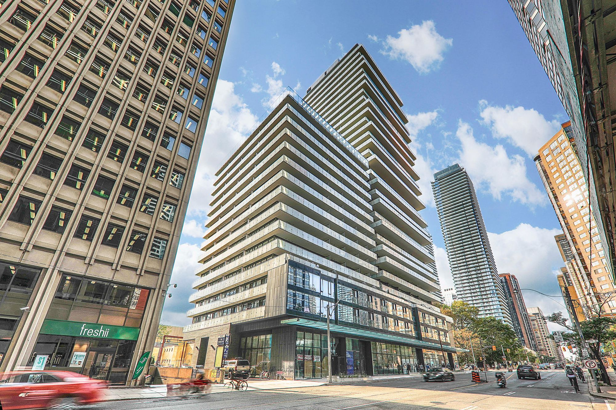 1000 Bay St. This condo at One Thousand Bay is located in  Downtown, Toronto - image #1 of 3 by Strata.ca
