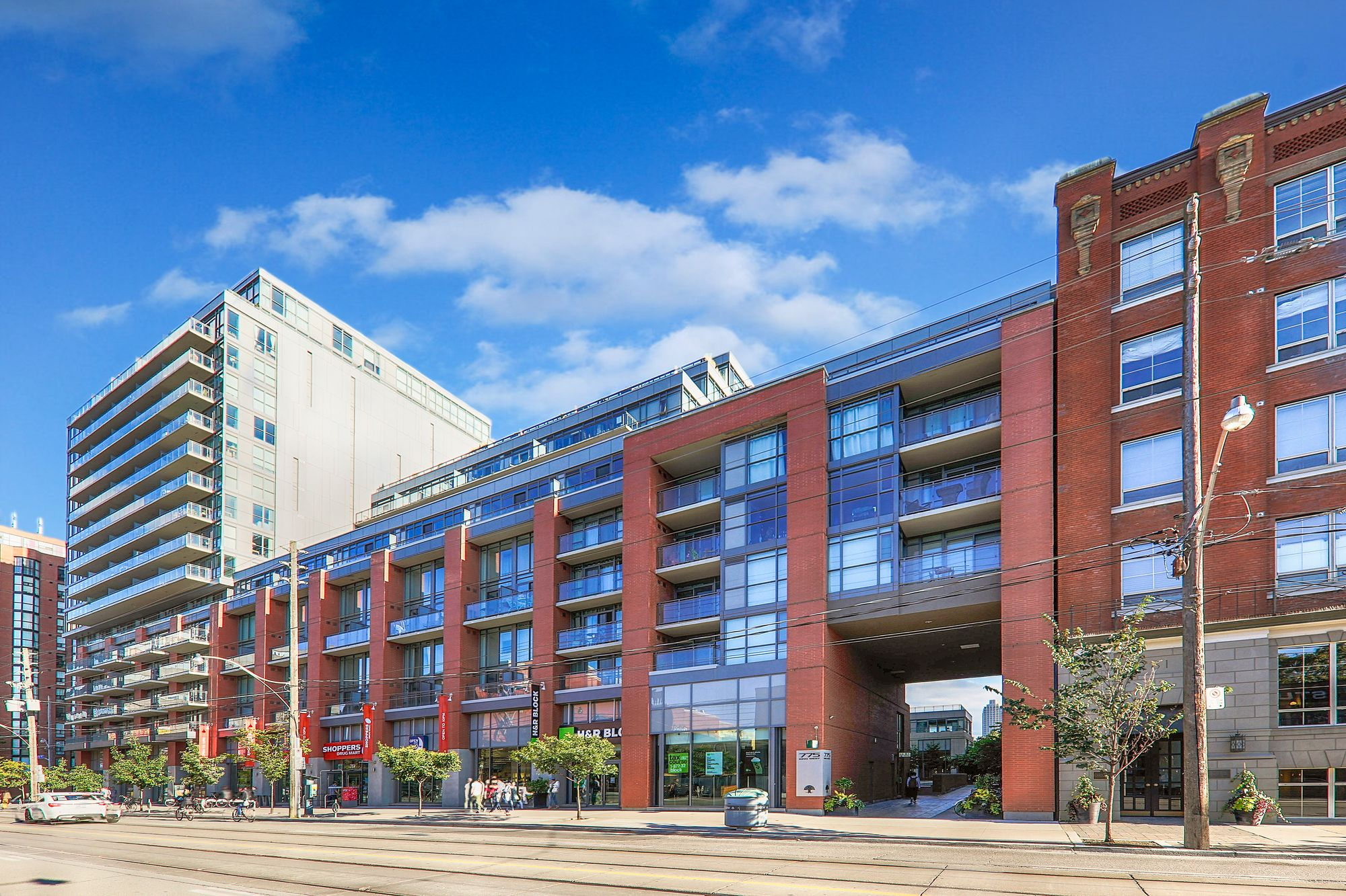 775 King St W. This condo at Minto 775 is located in  Downtown, Toronto - image #1 of 6 by Strata.ca