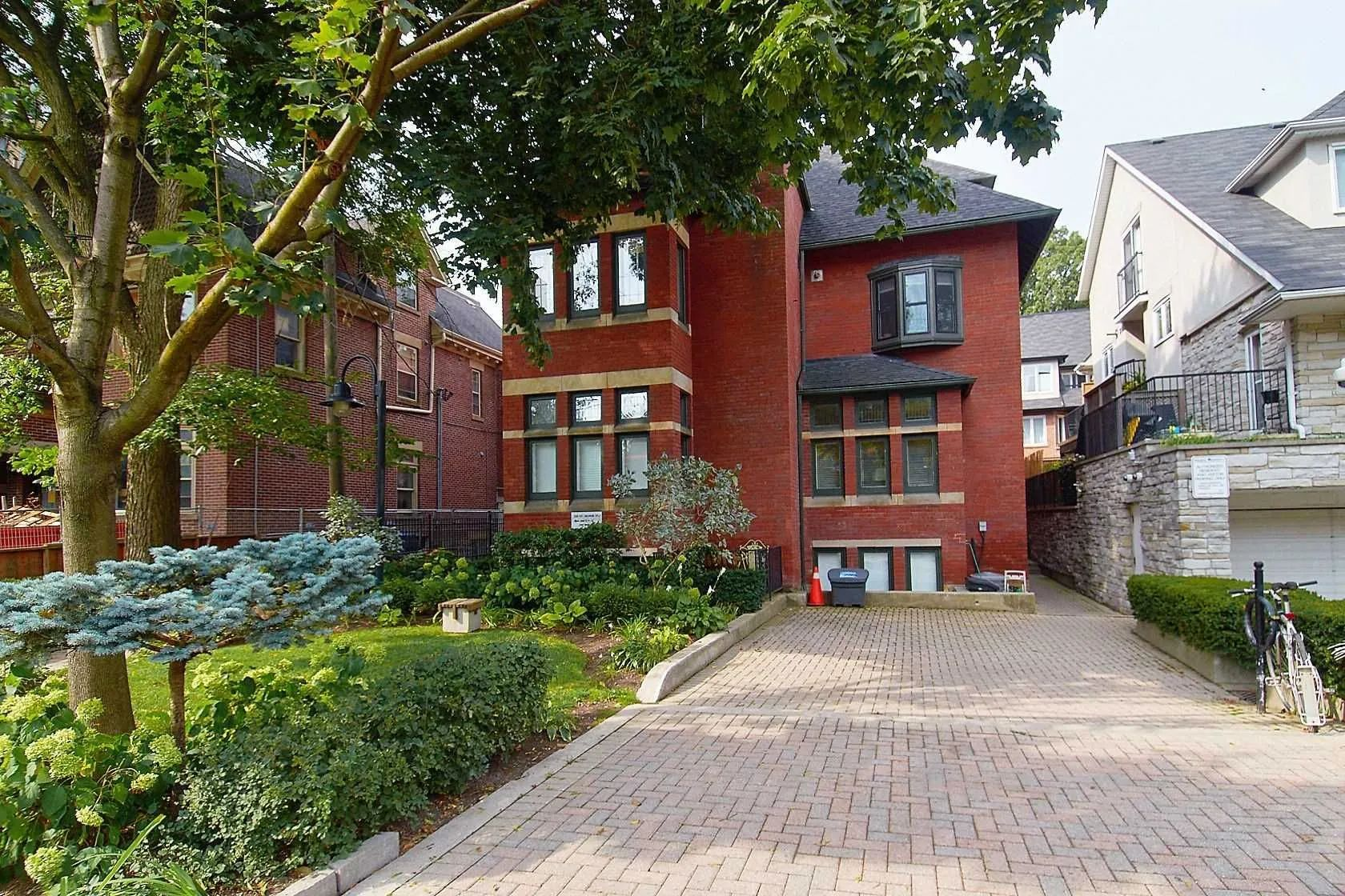 228 St George St. This condo townhouse at 228 St George St Townhomes is located in  Downtown, Toronto