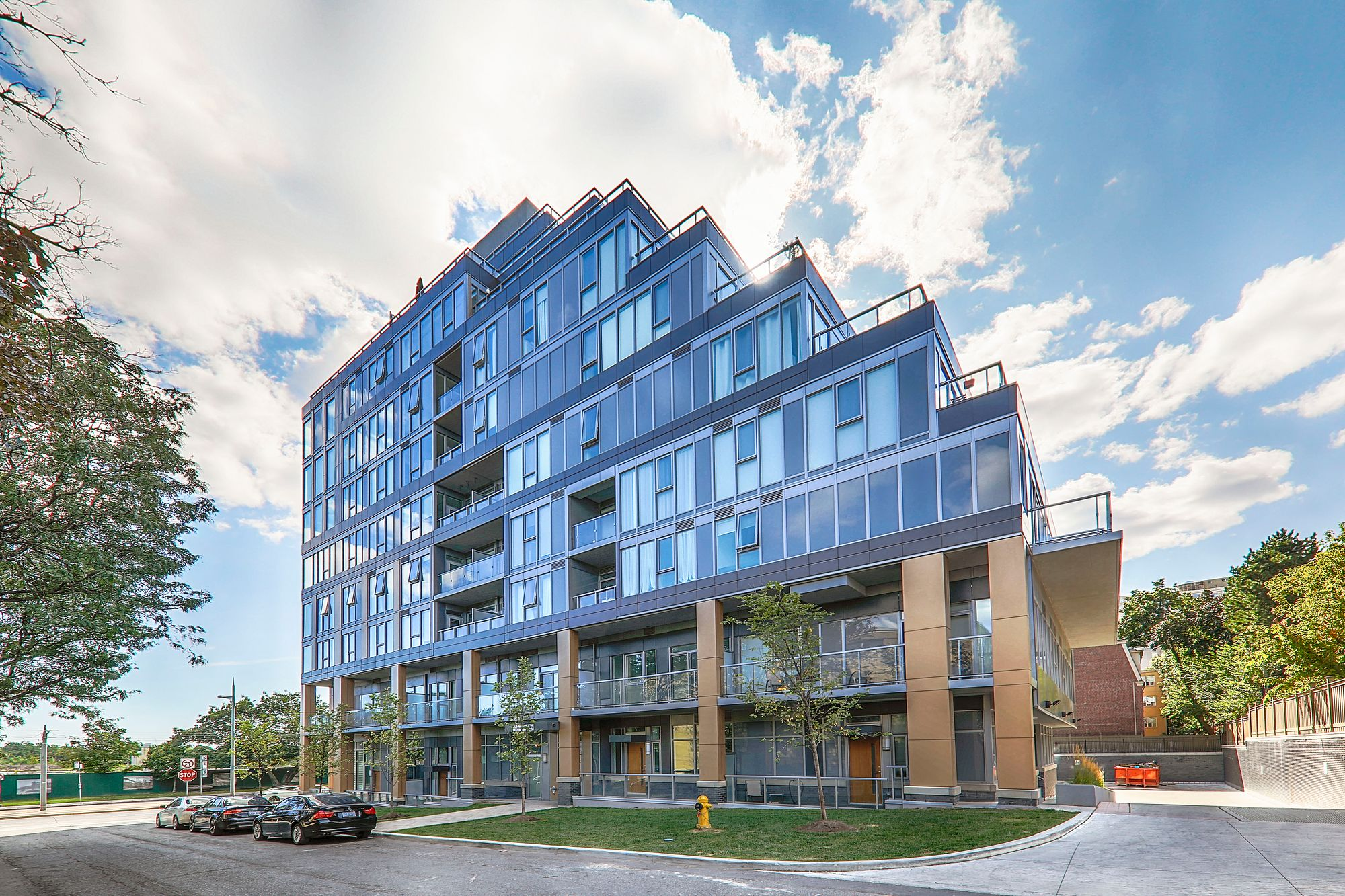 The Code Condos at 6 Parkwood Ave. This condo is located in  Midtown, Toronto - image #1 of 5 by Strata.ca