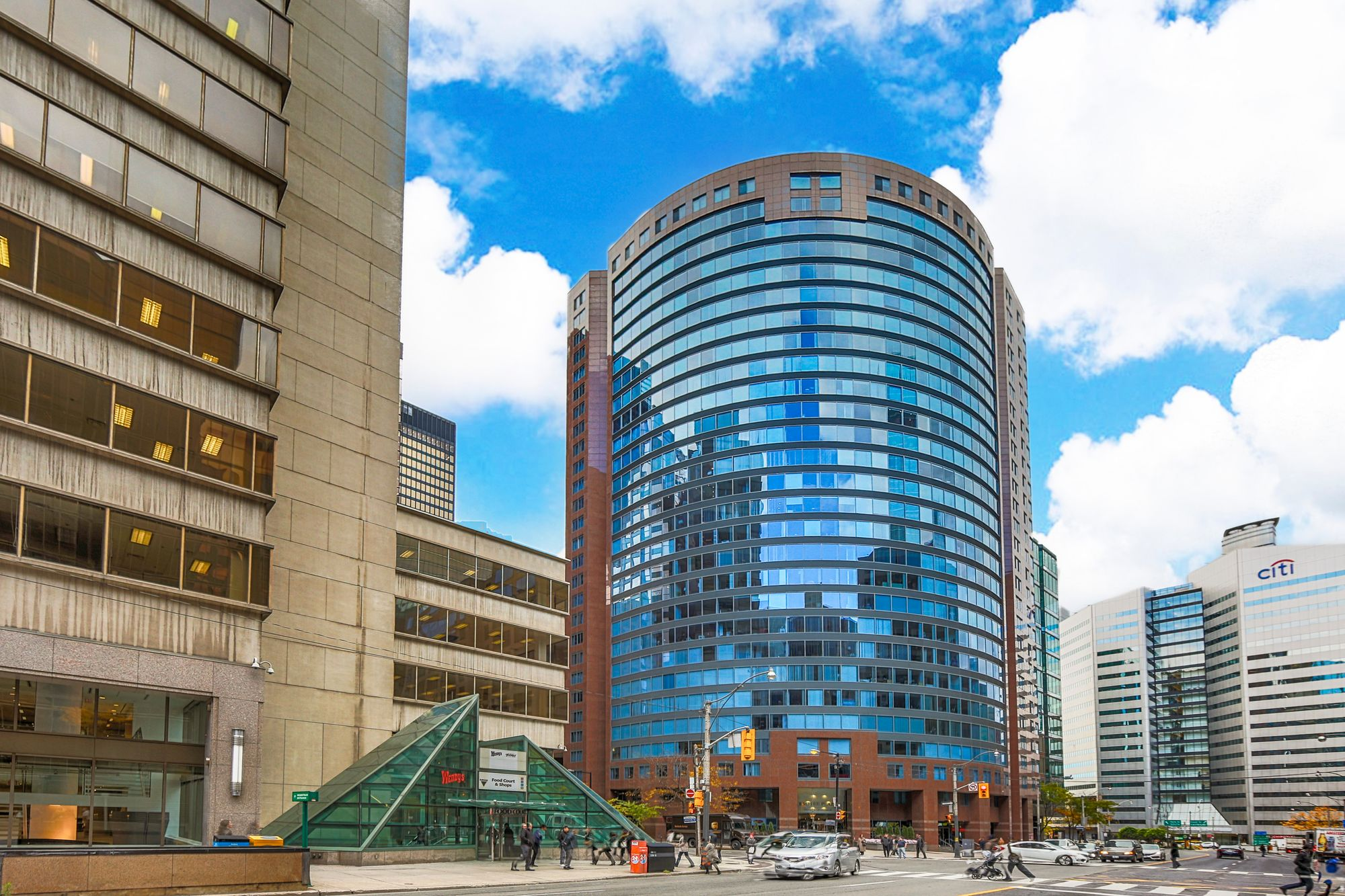 33 University Ave. This condo at Empire Plaza is located in  Downtown, Toronto - image #2 of 4 by Strata.ca