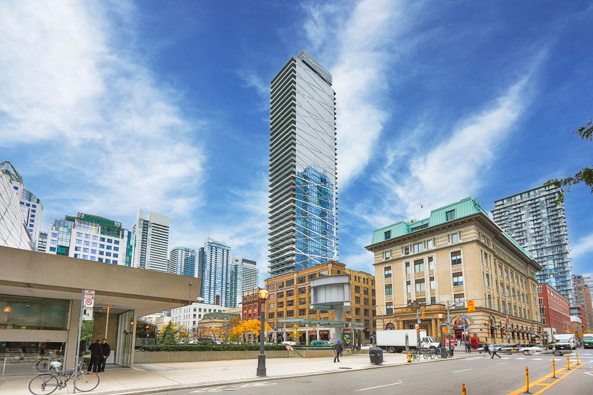 224 King St W. This condo at Theatre Park is located in  Downtown, Toronto - image #1 of 5 by Strata.ca