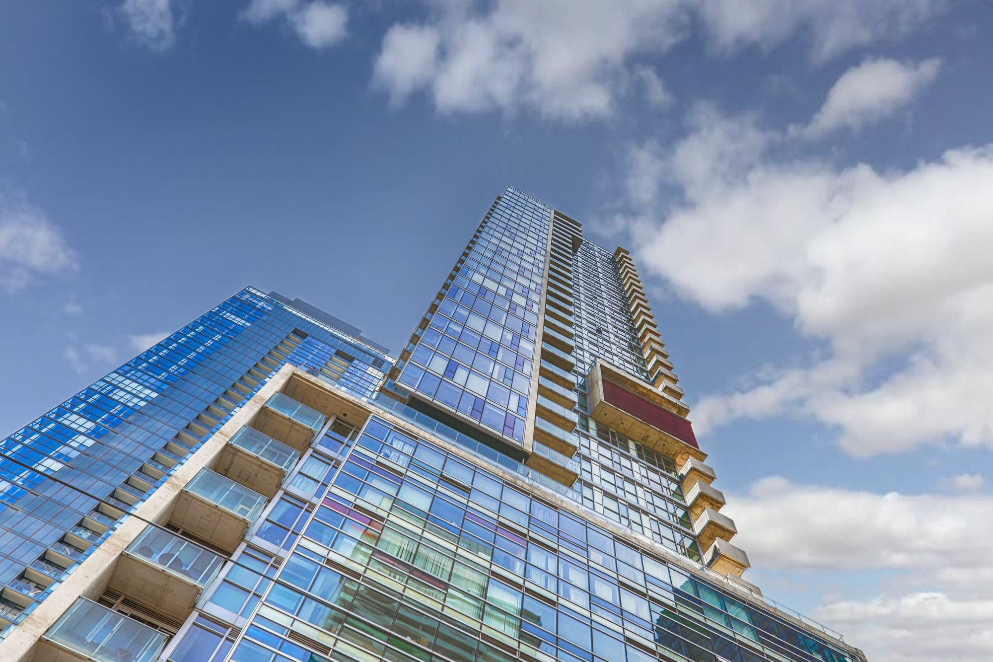375 King St W. This condo at M5V Condos is located in  Downtown, Toronto - image #2 of 4 by Strata.ca