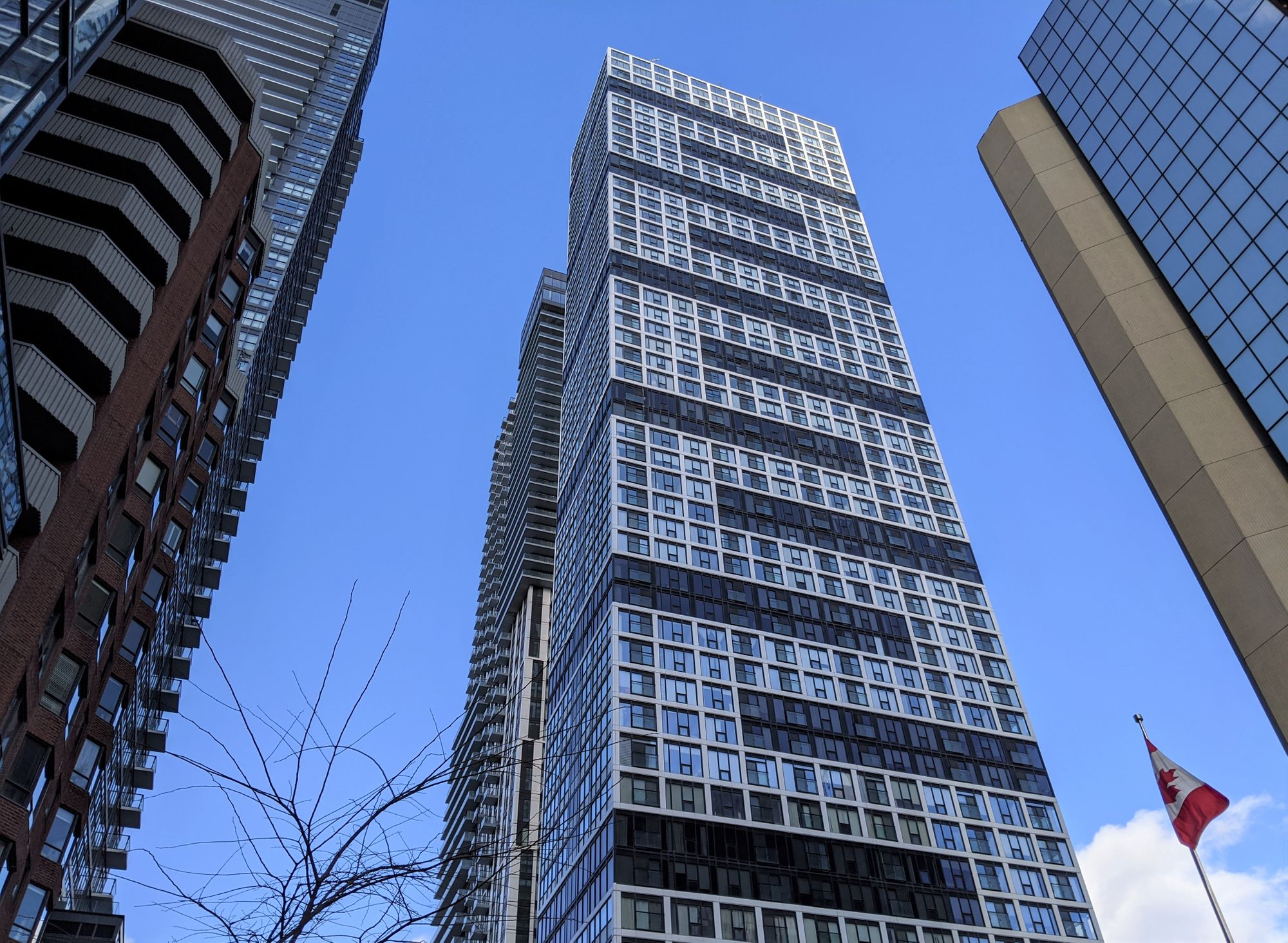 181 Dundas St E. This condo at Grid Condos is located in  Downtown, Toronto - image #2 of 2 by Strata.ca