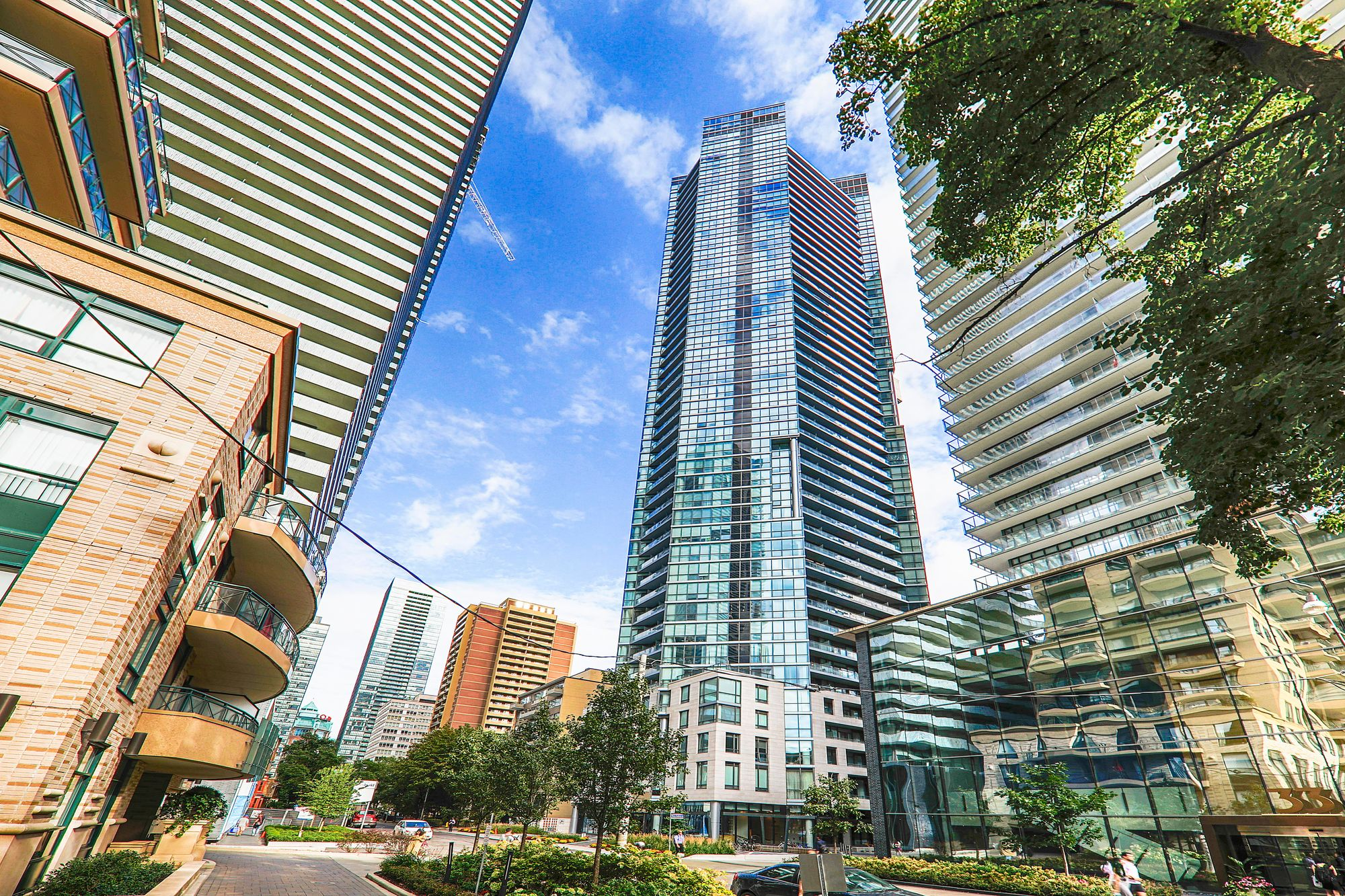 45 Charles St E, unit 810 for rent in Yonge and Bloor - image #1