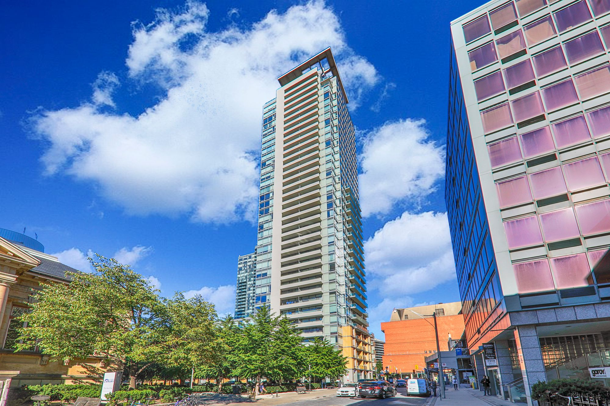18 Yorkville at 18 Yorkville Ave. This condo is located in  Downtown, Toronto - image #1 of 7 by Strata.ca