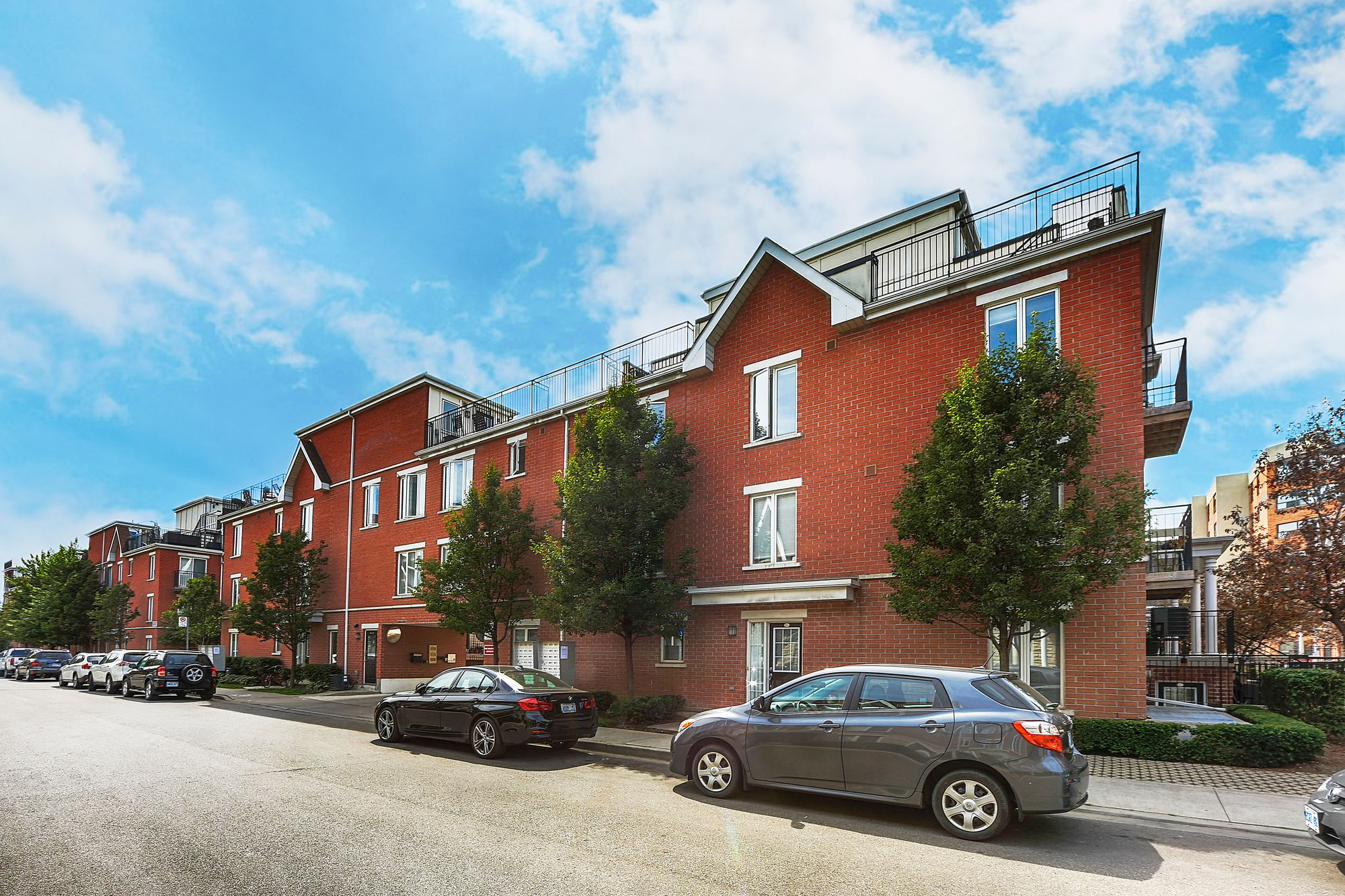 18 Laidlaw St, unit 1025 for sale in Parkdale - image #1