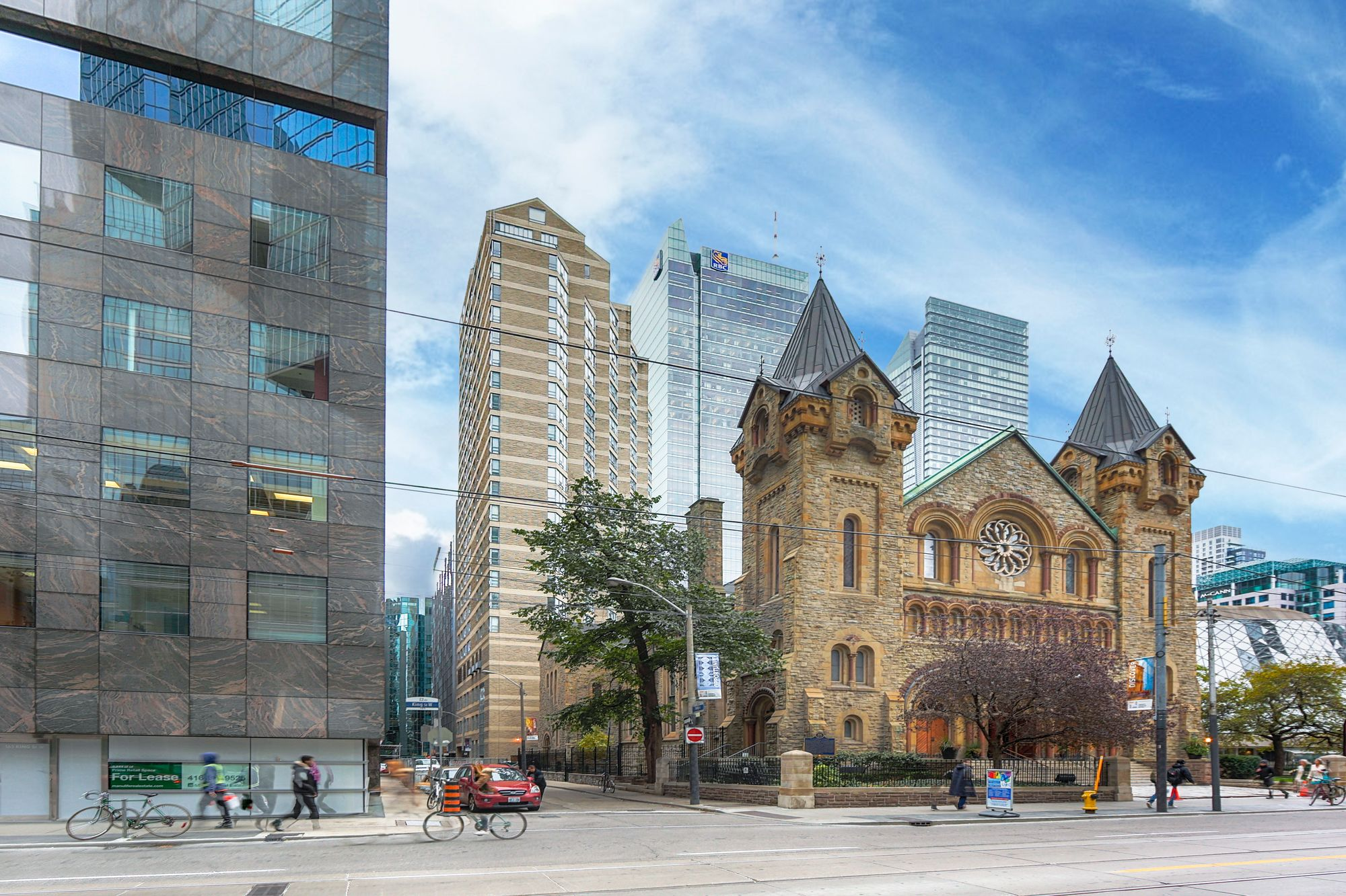 71 Simcoe St, unit 904 for sale in King West - image #1