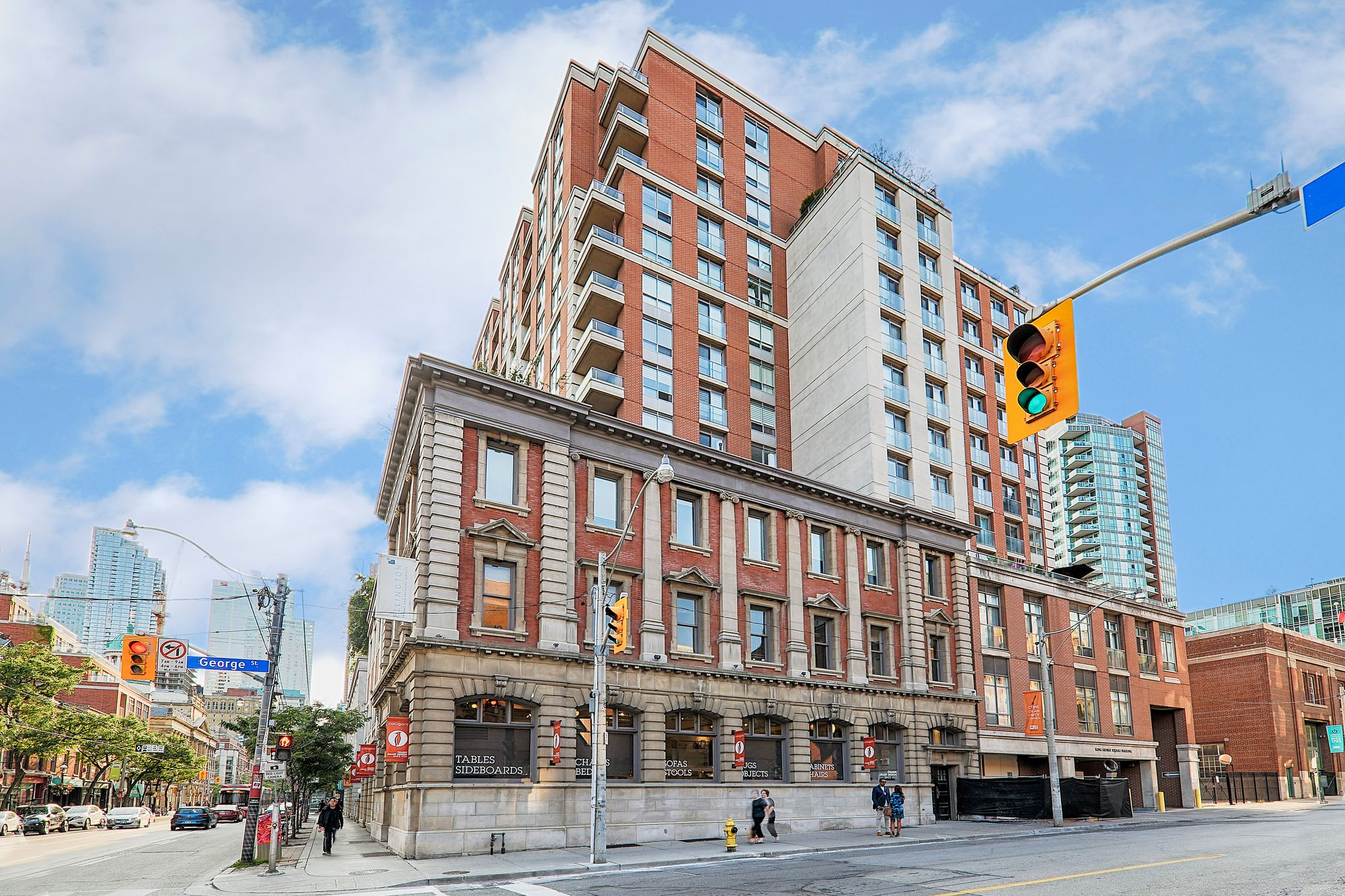 168 King St E. This condo at King George Square is located in  Downtown, Toronto - image #2 of 5 by Strata.ca