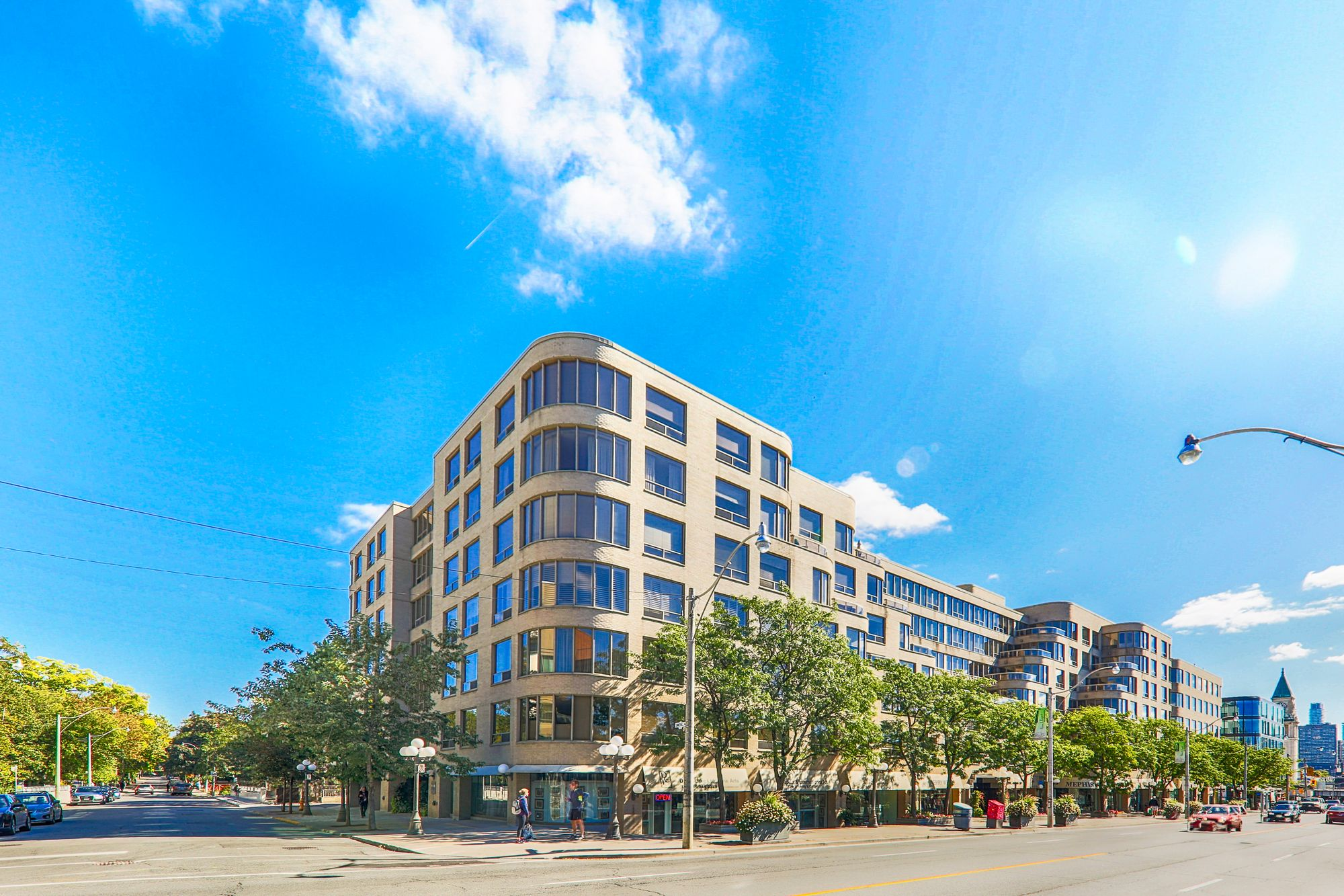 The Ports at 1177 Yonge St. This condo is located in  Midtown, Toronto - image #1 of 4 by Strata.ca