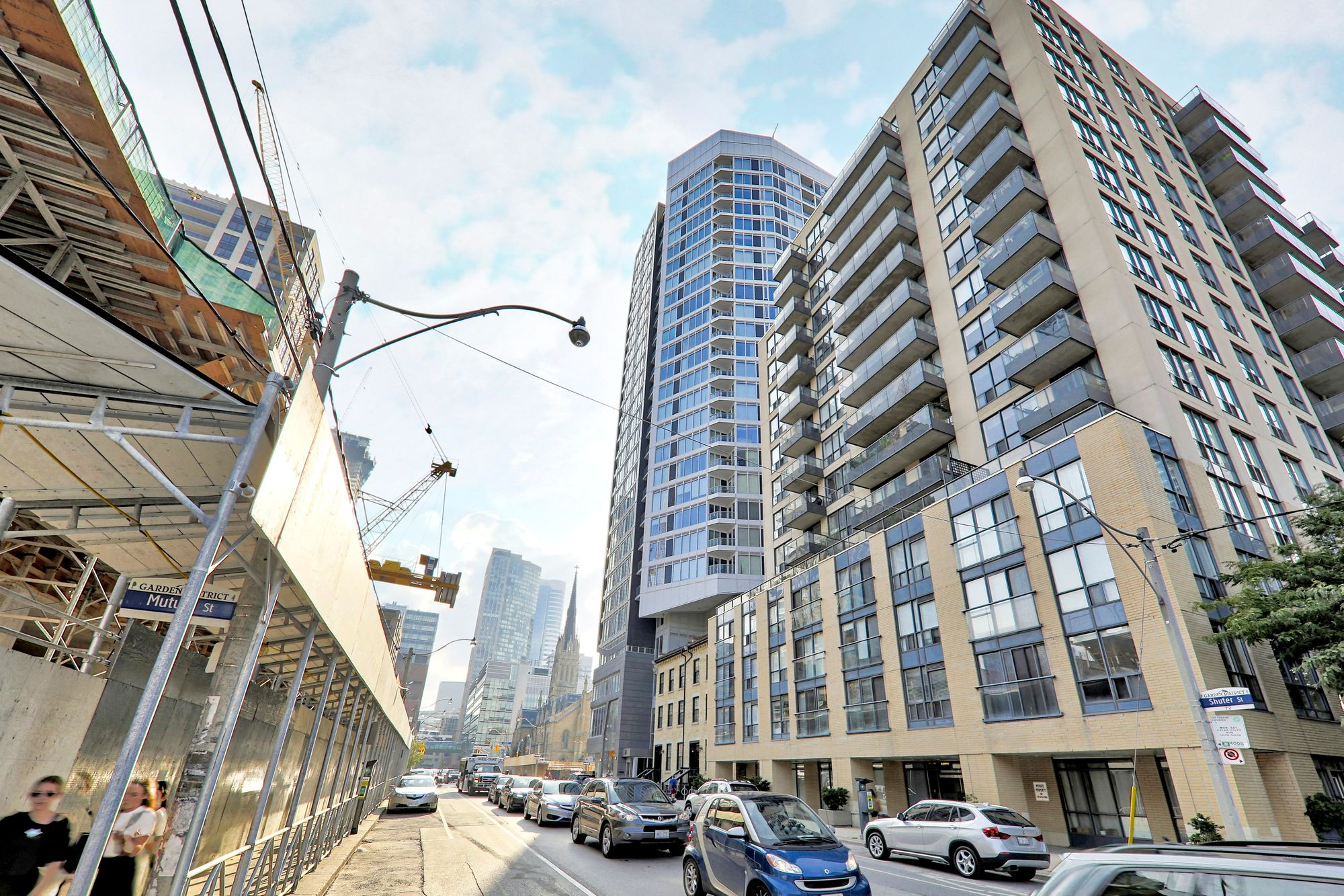 68 Shuter St. This condo at Core Condos is located in  Downtown, Toronto - image #2 of 6 by Strata.ca