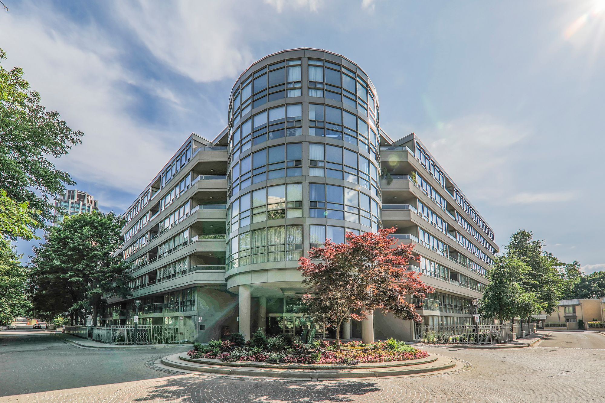 19 Lower Village Gate, unit 309 for sale in Forest Hill South - image #1