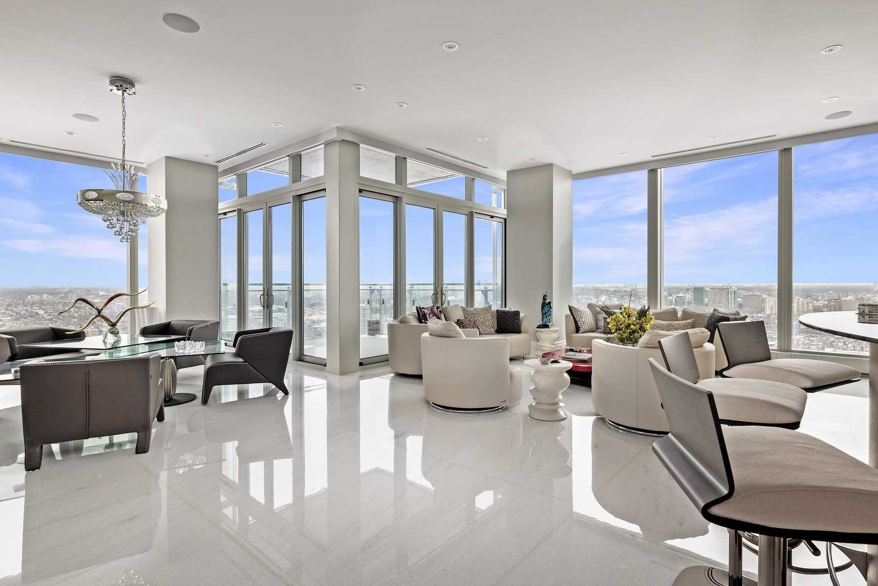 50 Yorkville Ave, unit 4001 for sale in Toronto - image #1