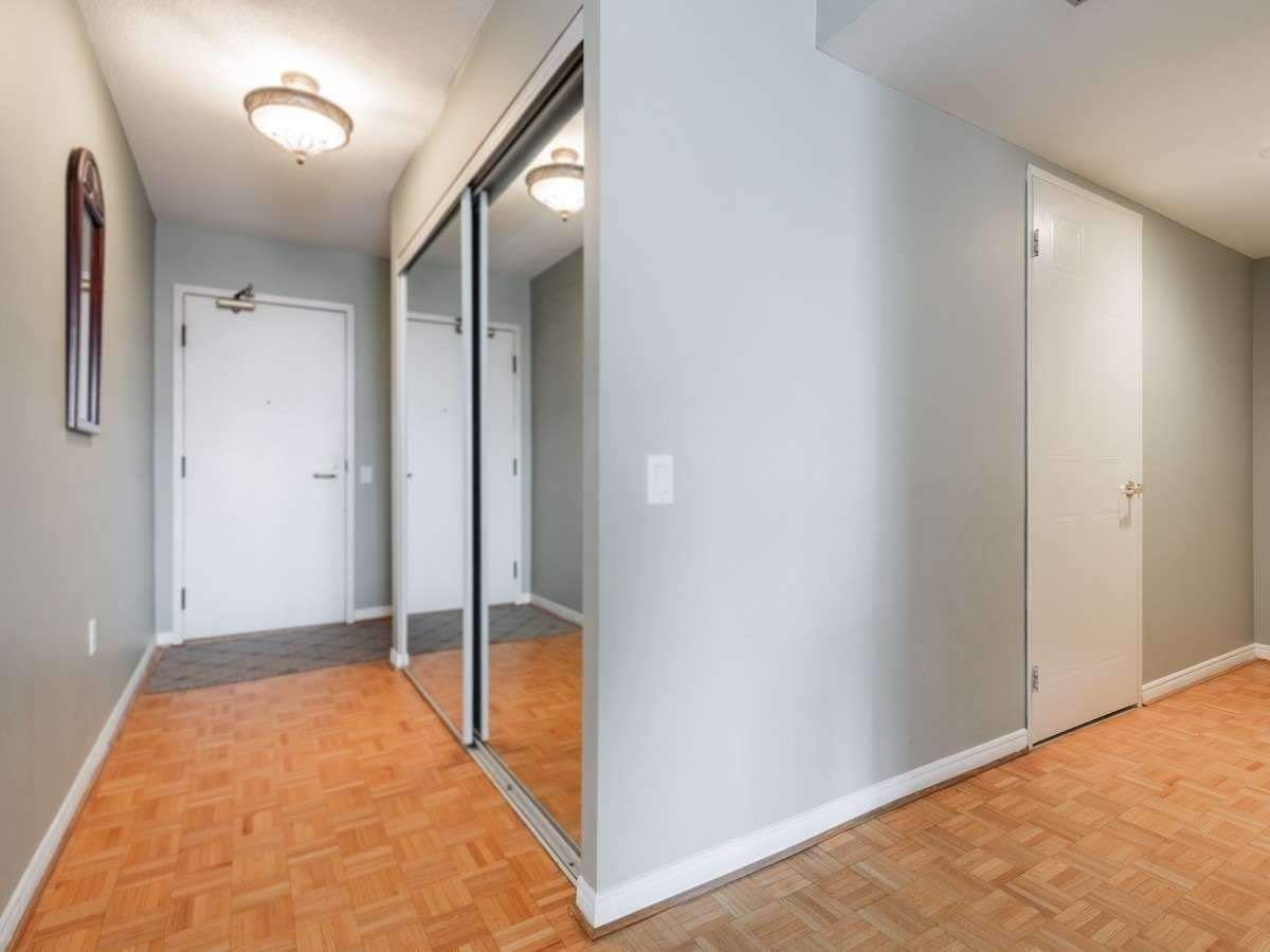 11 Thorncliffe Park Dr, unit 507 for sale in Leaside | Thorncliffe - image #2