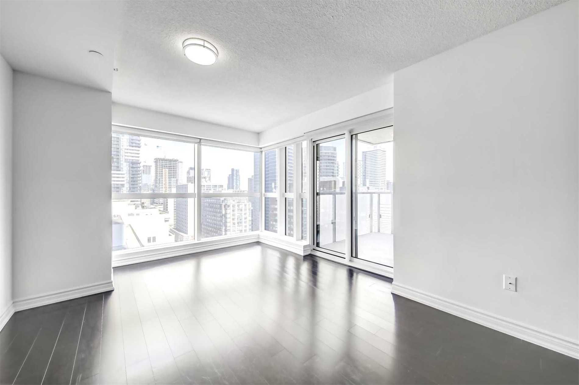 386 Yonge St, unit 1801 for rent in Toronto - image #2