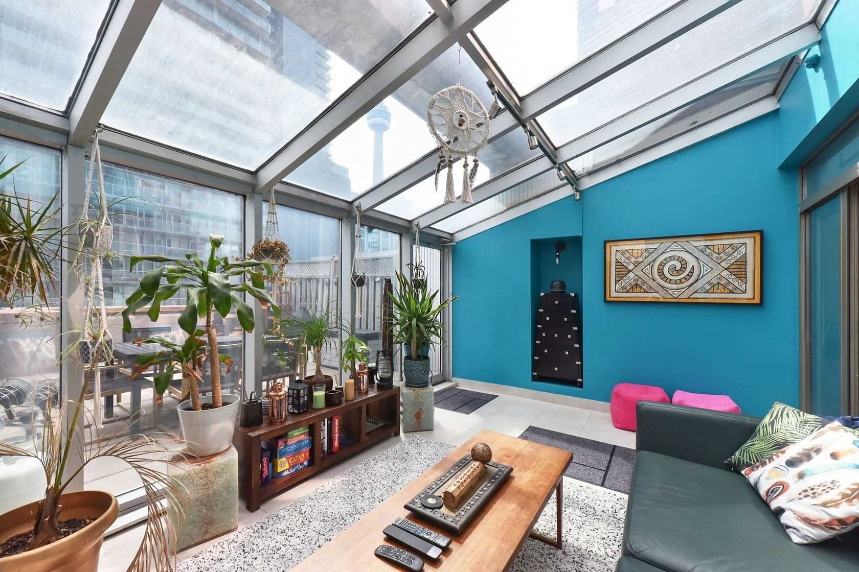 393 King St W, unit 403 for sale in Toronto - image #1