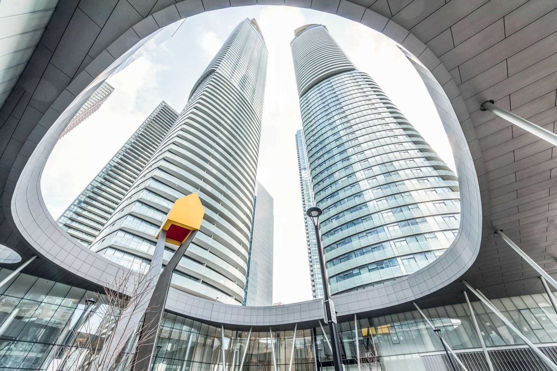14 York St, unit 1309 for sale in Toronto - image #1