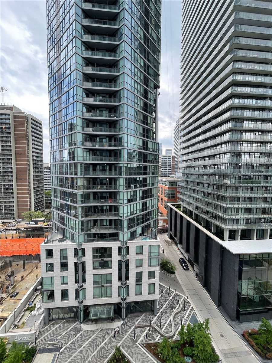 42 Charles St, unit 1003 for rent in Toronto - image #2