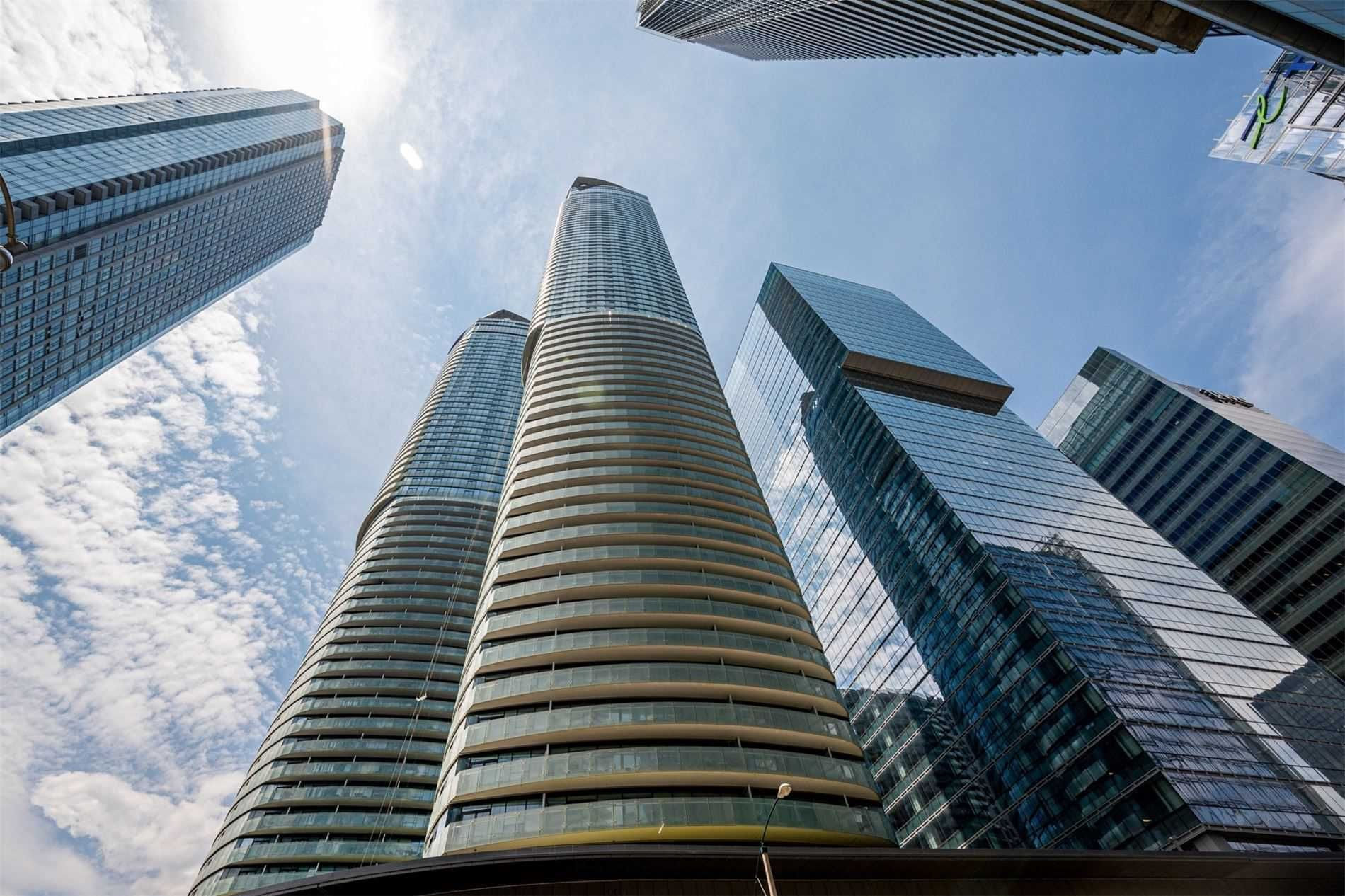 14 York St, unit 5608 for sale in Toronto - image #1