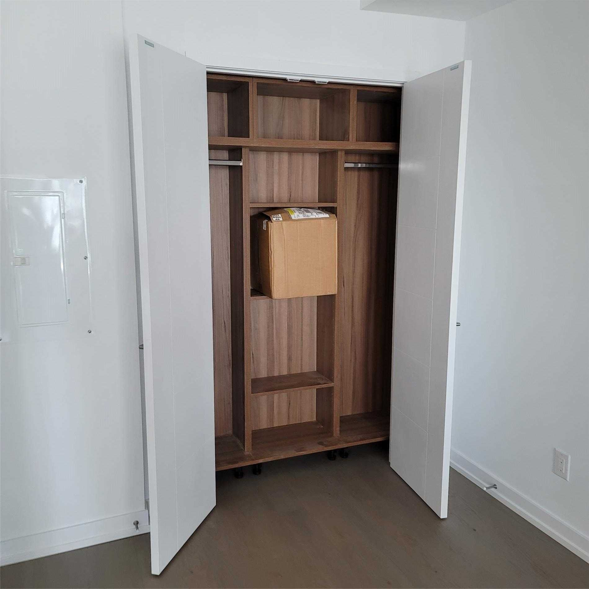 488 University Ave, unit 2909 for rent in Toronto - image #2