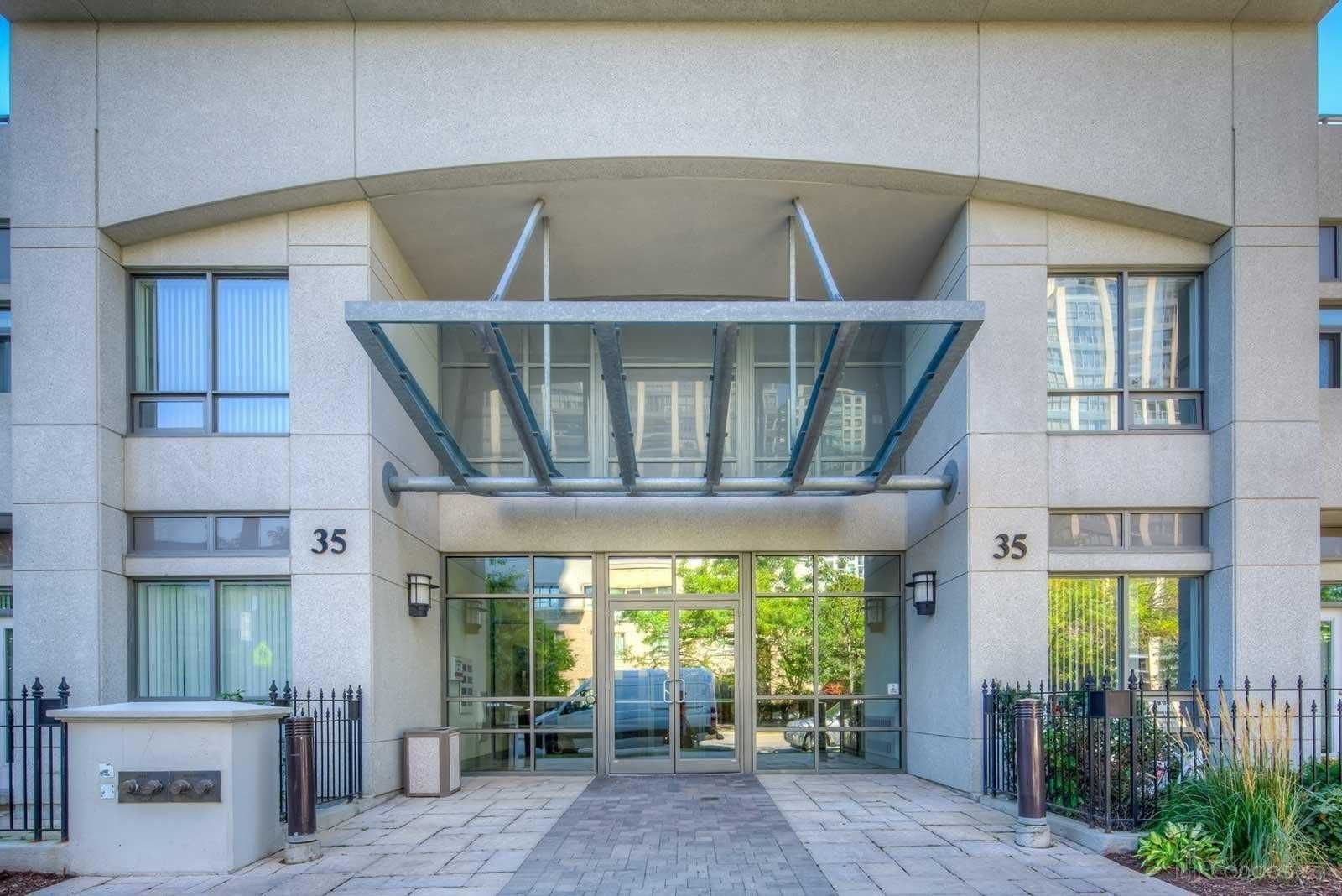 35 Hollywood Ave, unit 1812 for rent in Toronto - image #2