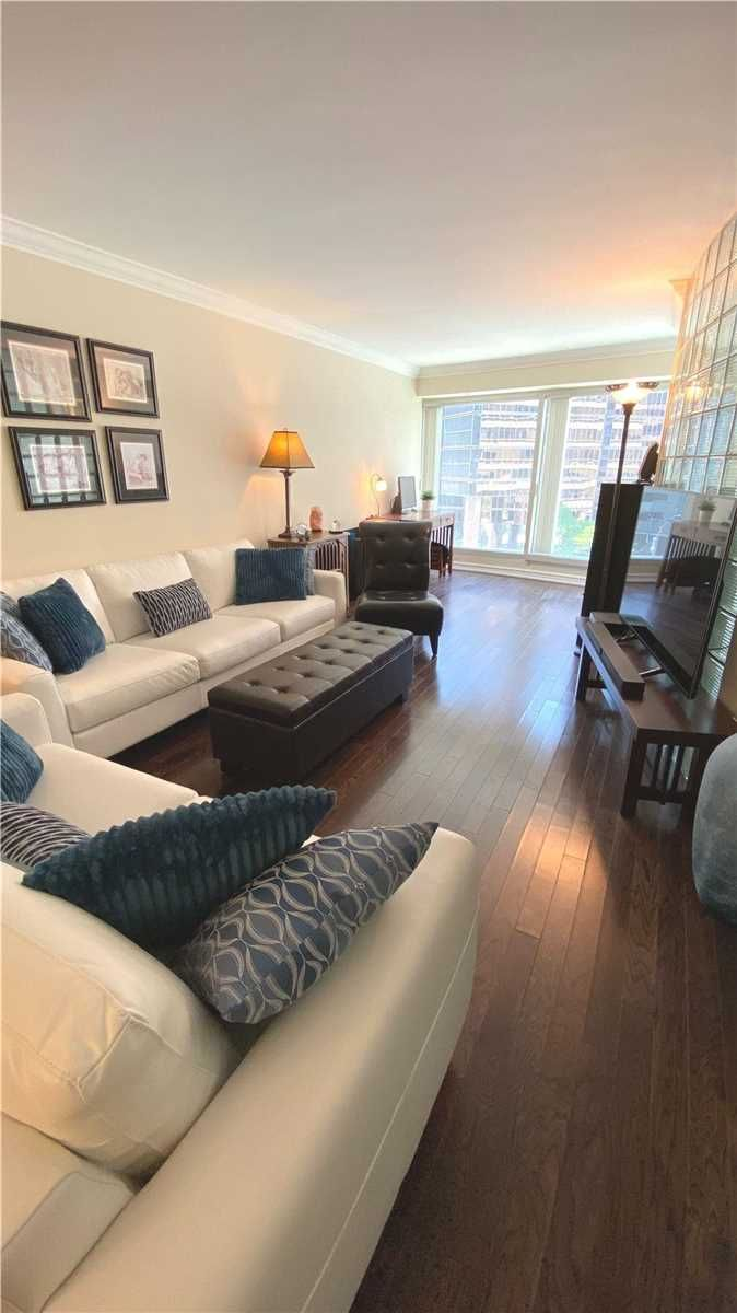 33 University Ave, unit 605 for rent in Toronto - image #2