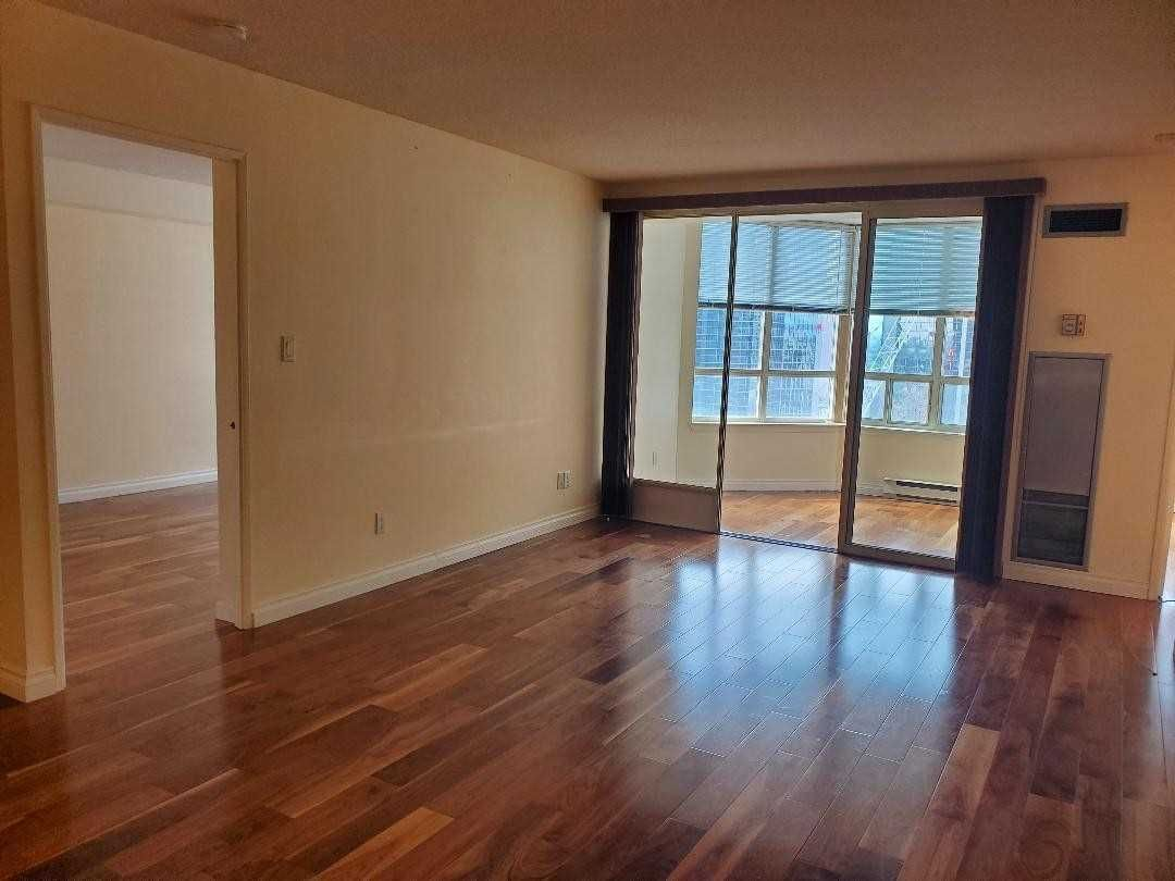 30 Greenfield Ave, unit 2101 for sale in Toronto - image #2