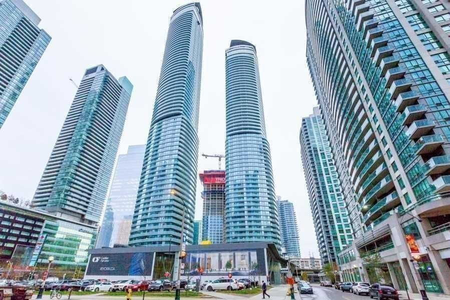 14 York St, unit 5207 for rent in Toronto - image #1