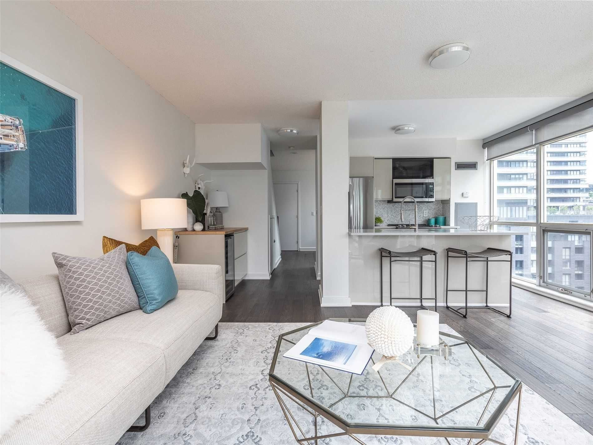 36 Blue Jays Way, unit 912 for sale in Toronto - image #2